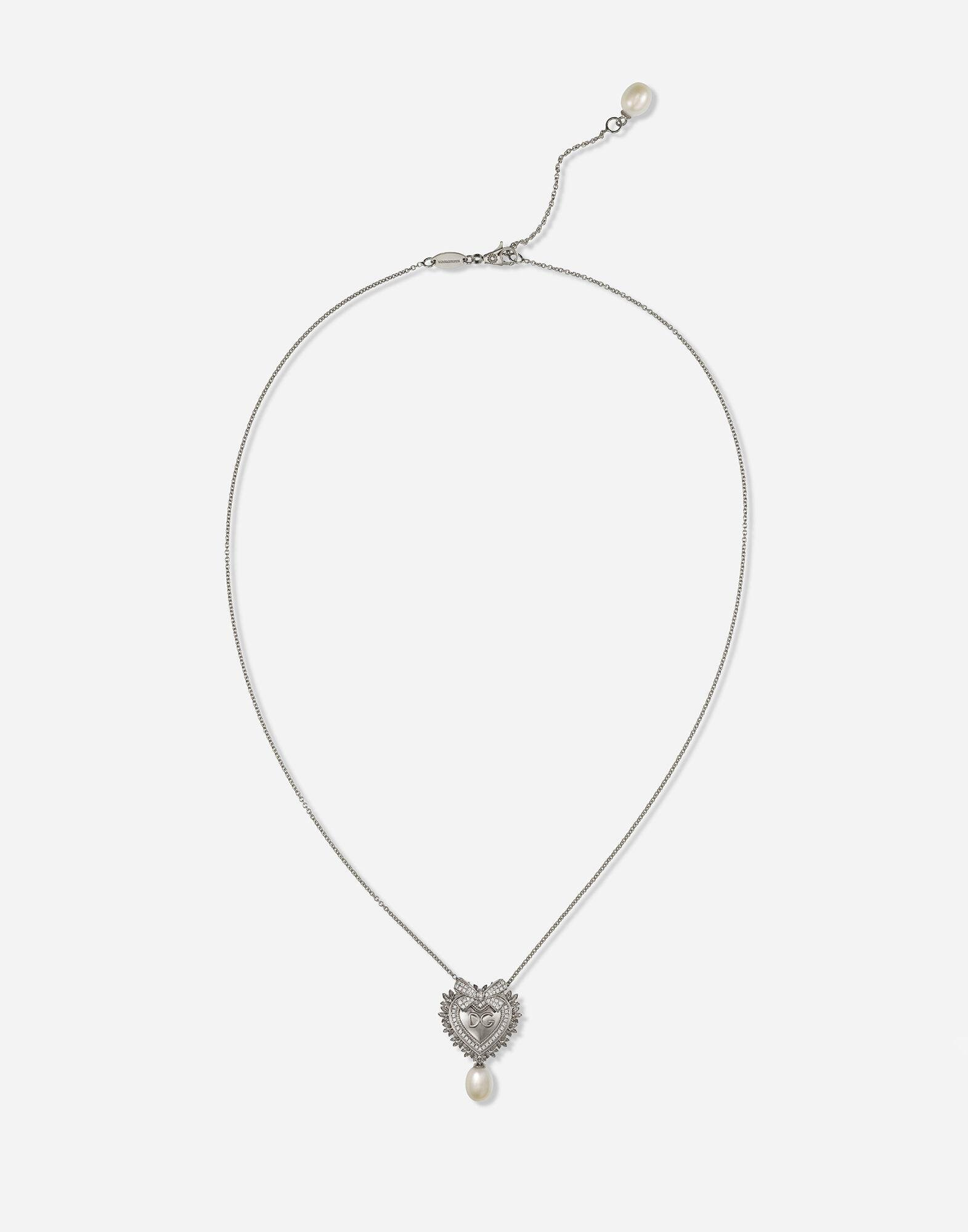 Devotion necklace in white gold with diamonds and pearls