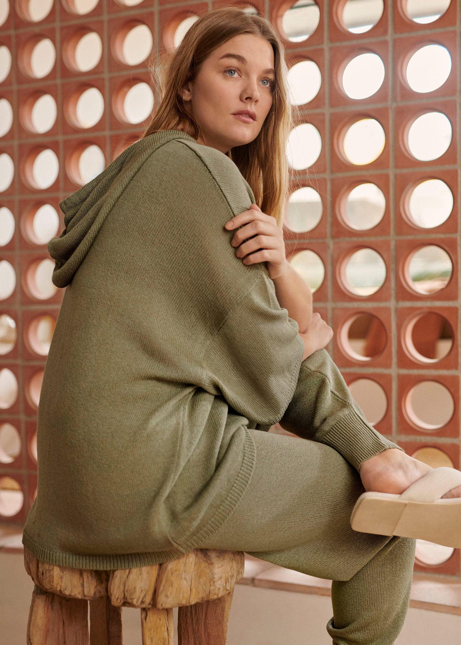 Oversized hooded sweater 5