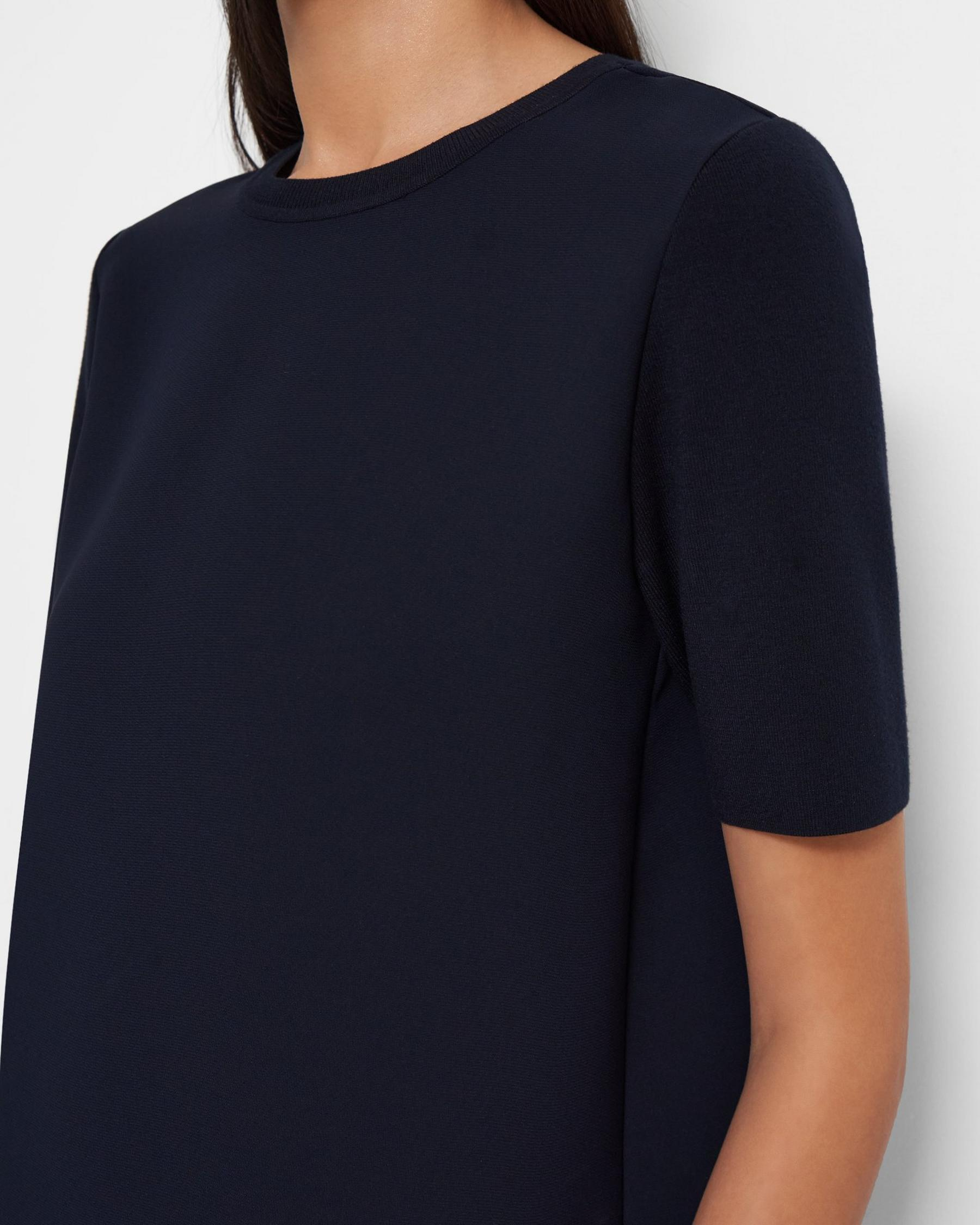 Short-Sleeve Top in Ribbed Crepe 2