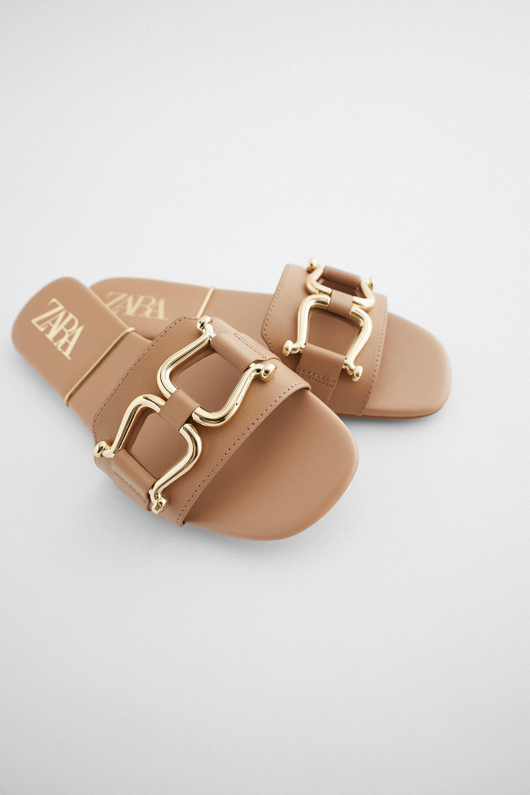 FLAT LEATHER SANDALS WITH GOLD SADDLE DETAIL 3