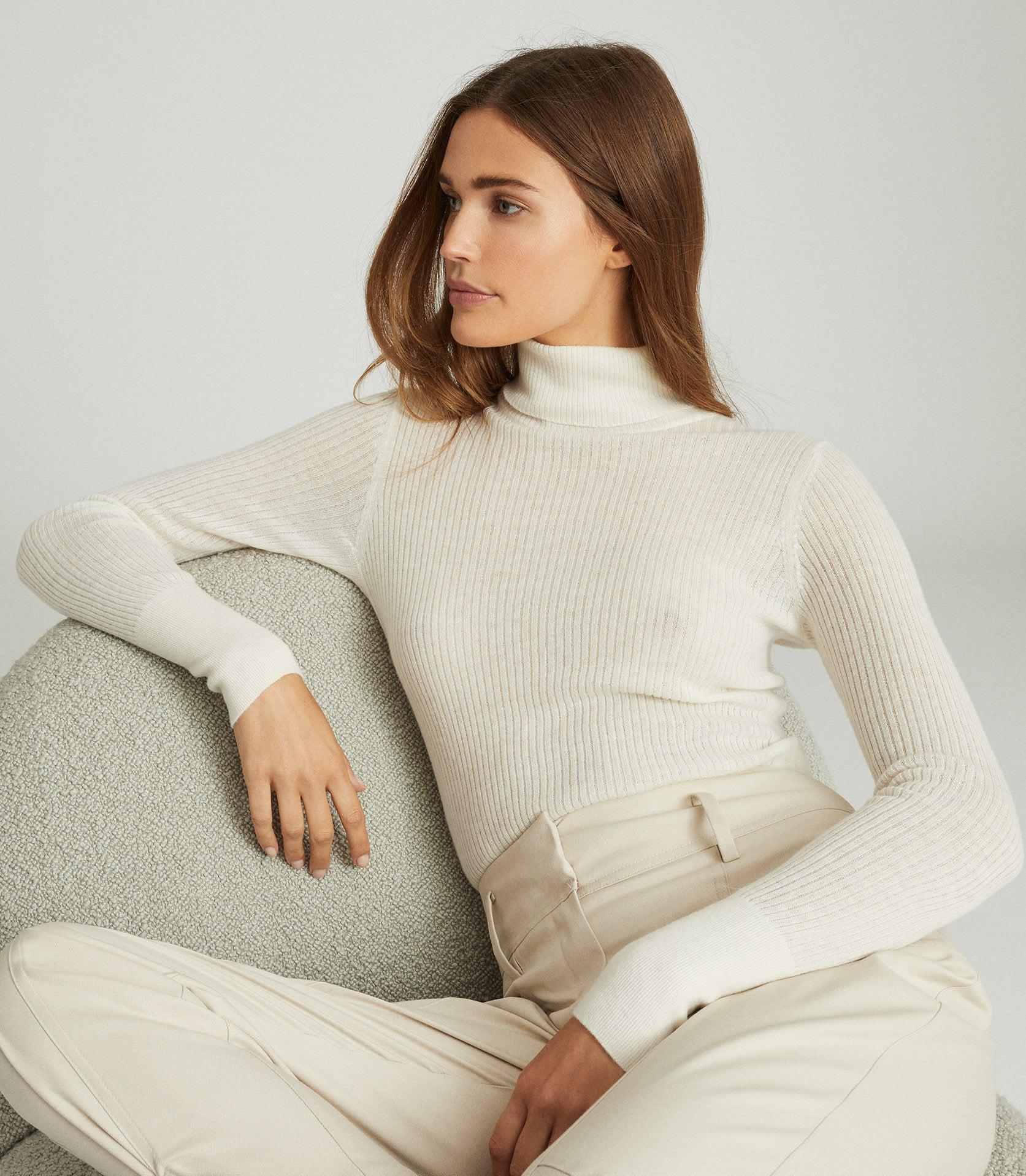 SOPHIE - KNITTED ROLL NECK 1
