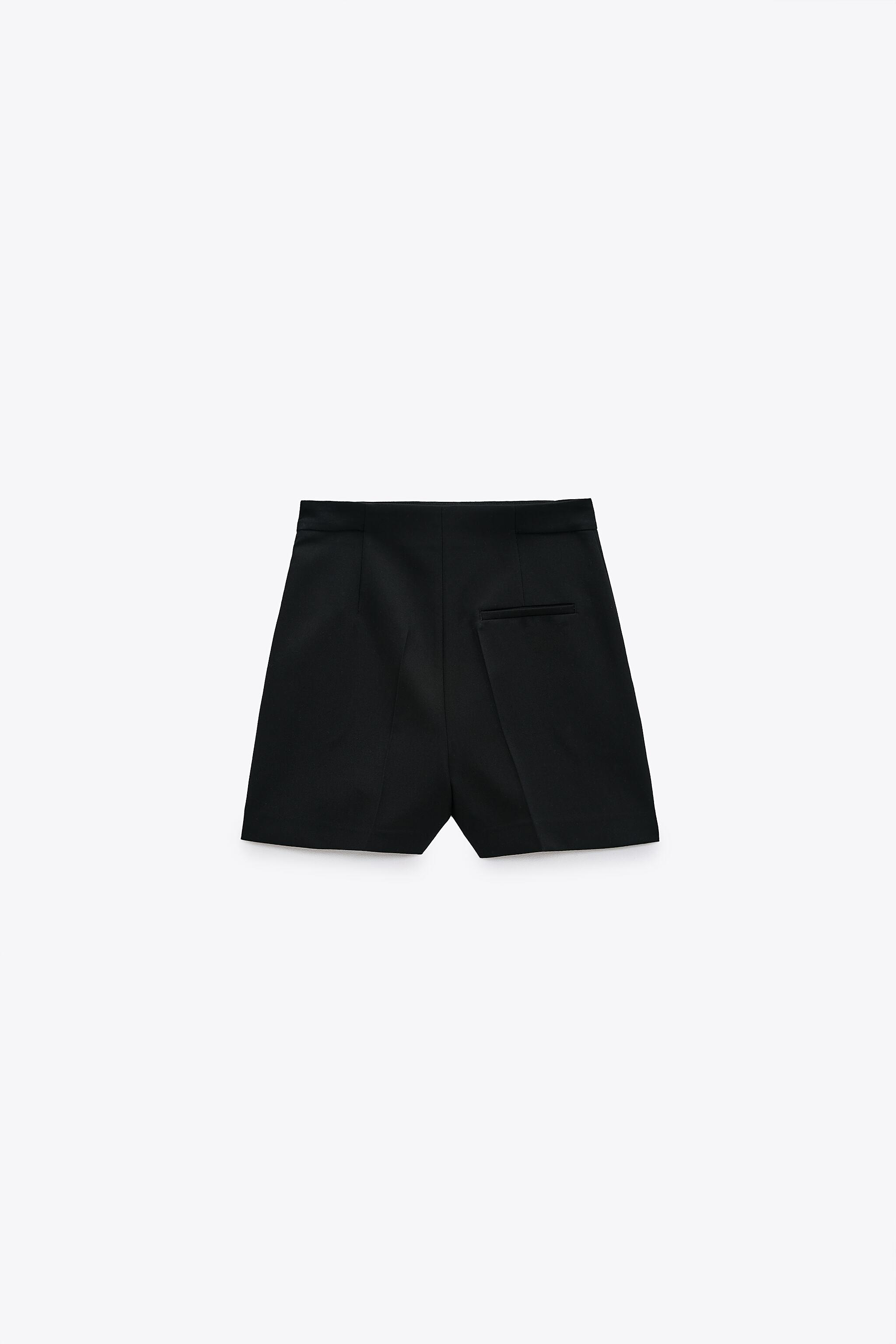 SHORTS WITH BUTTONS 3