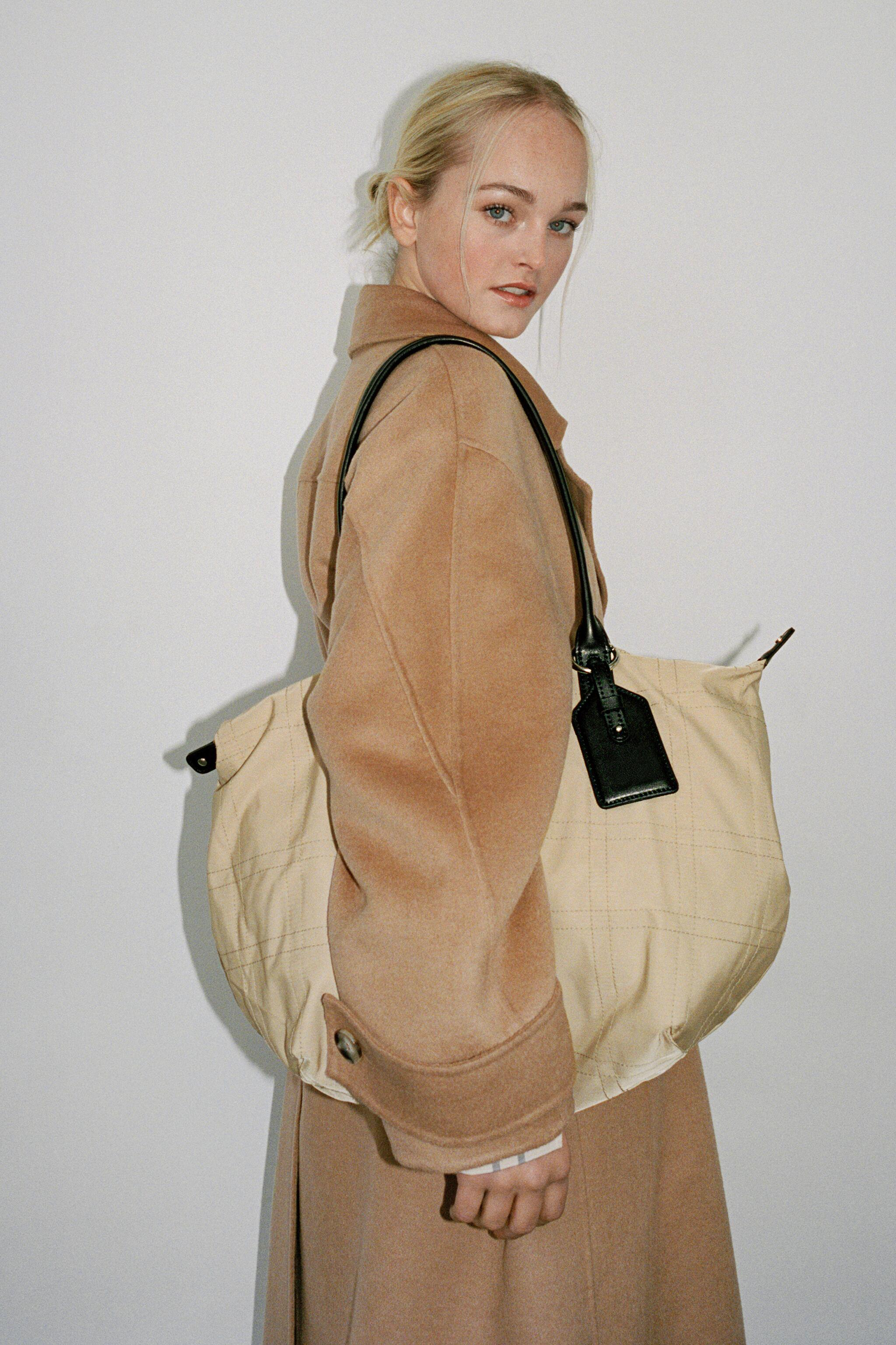NYLON TOTE BAG WITH TOPSTITCHING