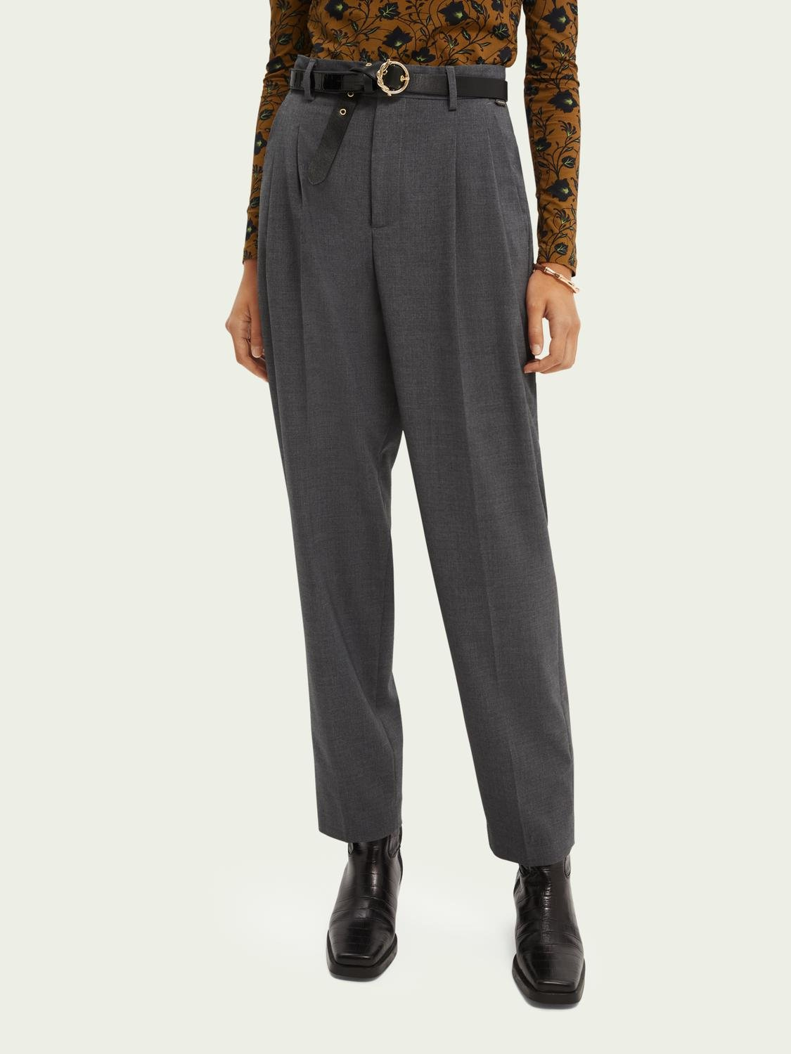 Tailored carrot-leg high-rise trousers