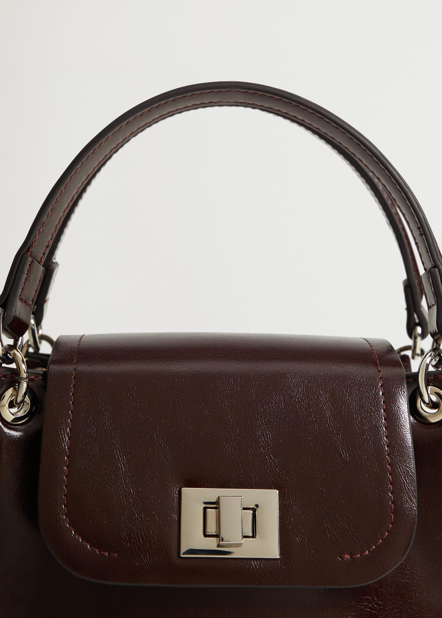 Double strap bag with flap 3