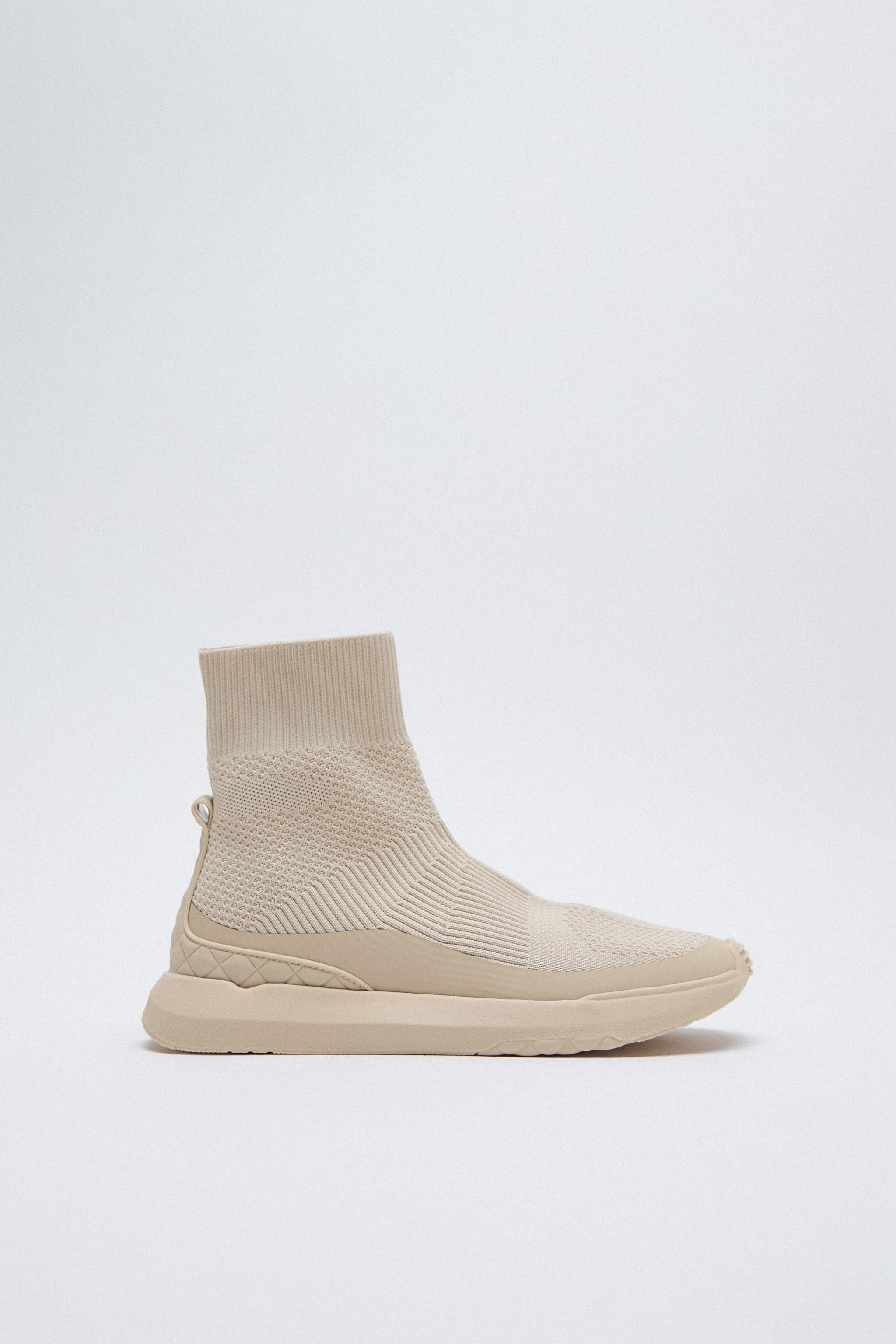 STRETCHY SOCK-STYLE SNEAKERS