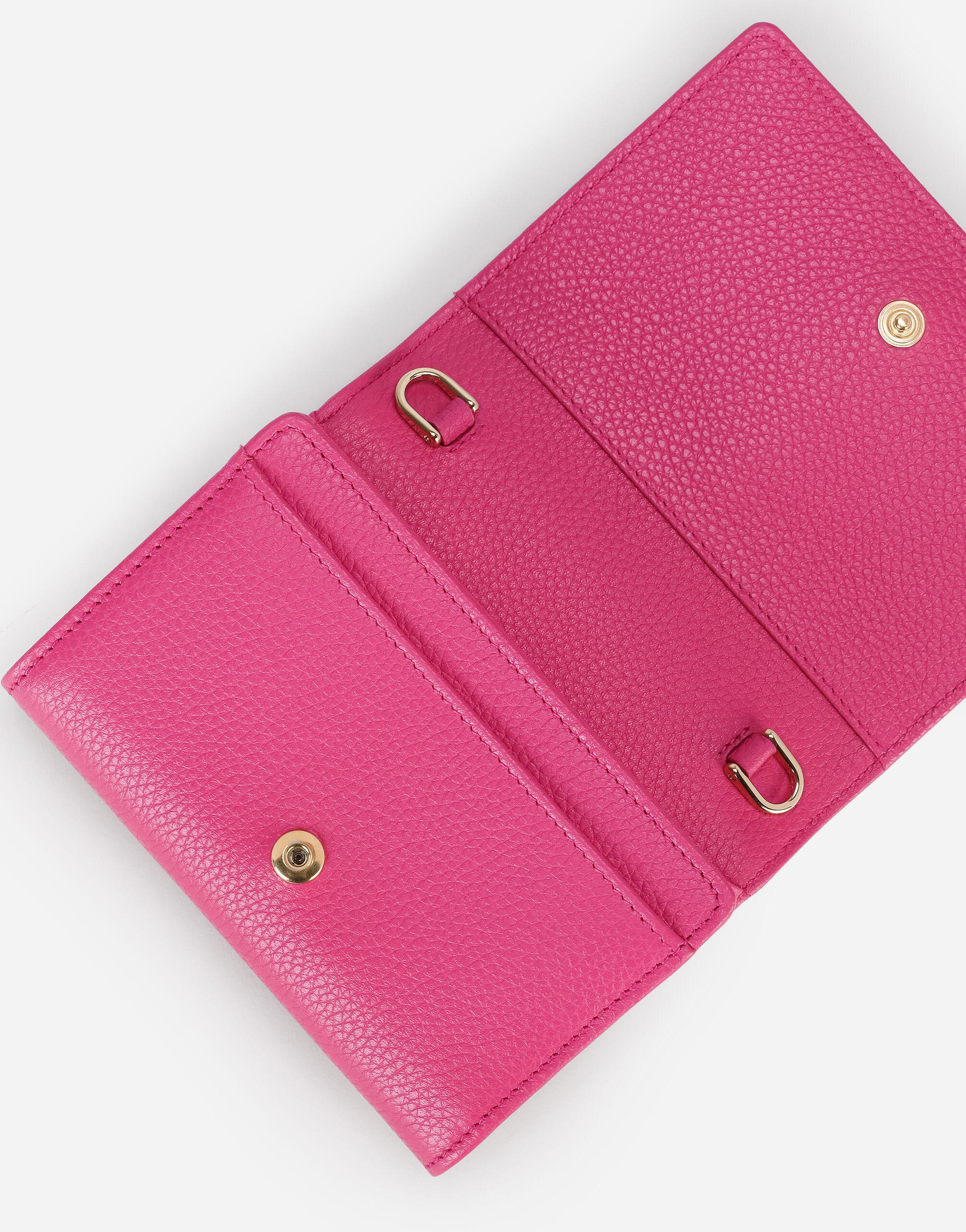 Tumbled calfskin wallet with chain detail 3