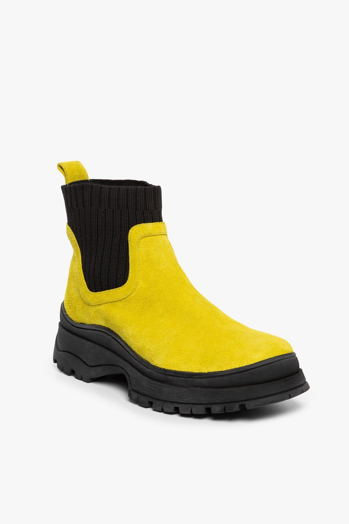 BOW BOOT | CHARTREUSE BLACK