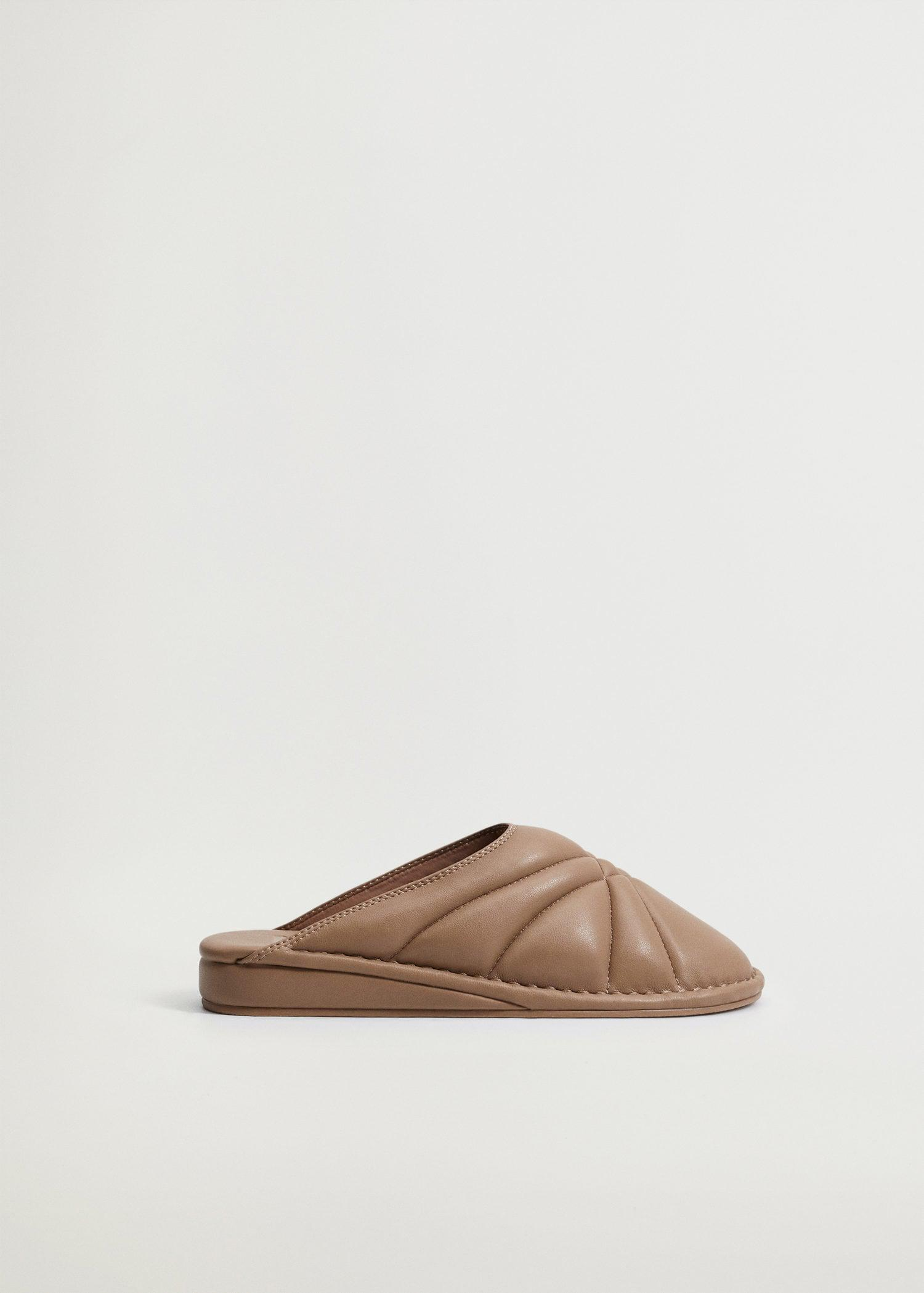 Quilted wedge shoes