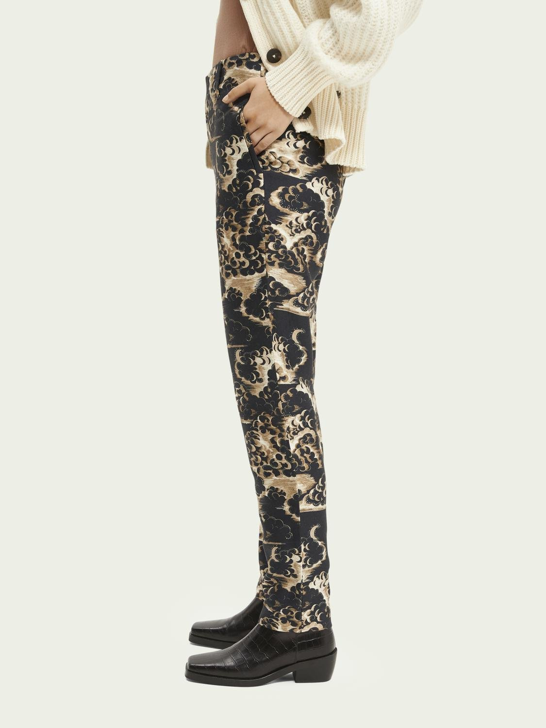 Printed tapered mid-rise trousers 3