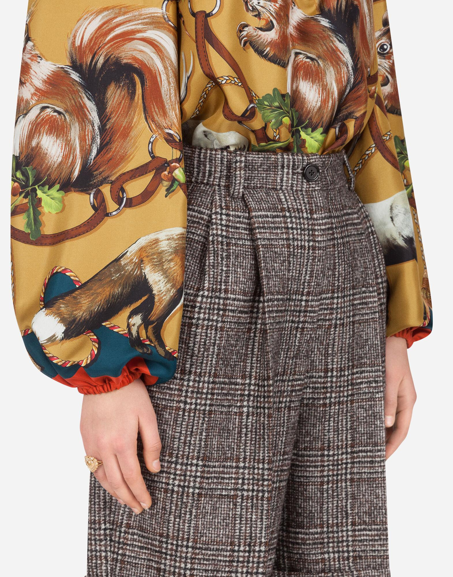 Twill blouse with animals of the forest print 2