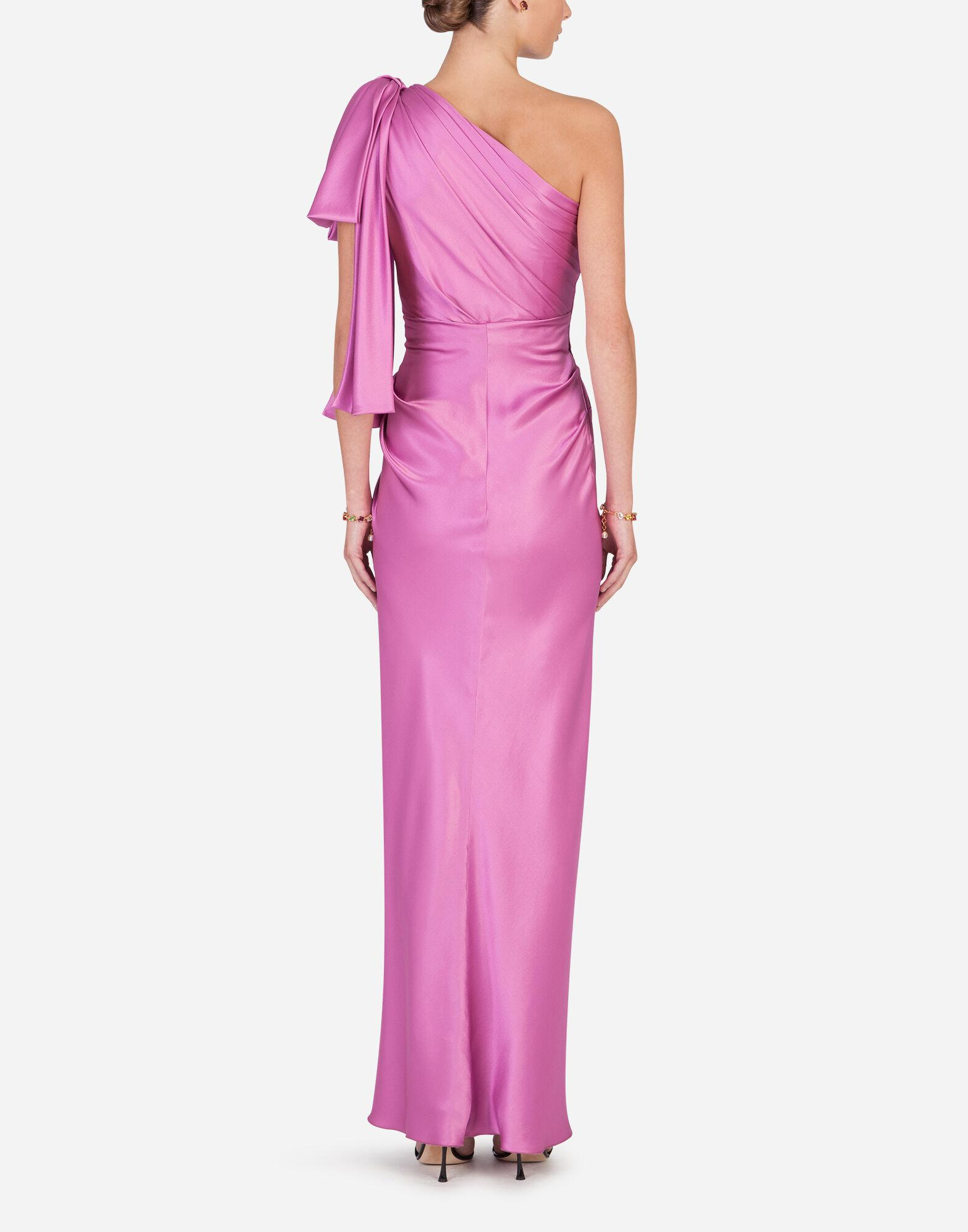 Long one-shoulder silk dress with bow detail 1