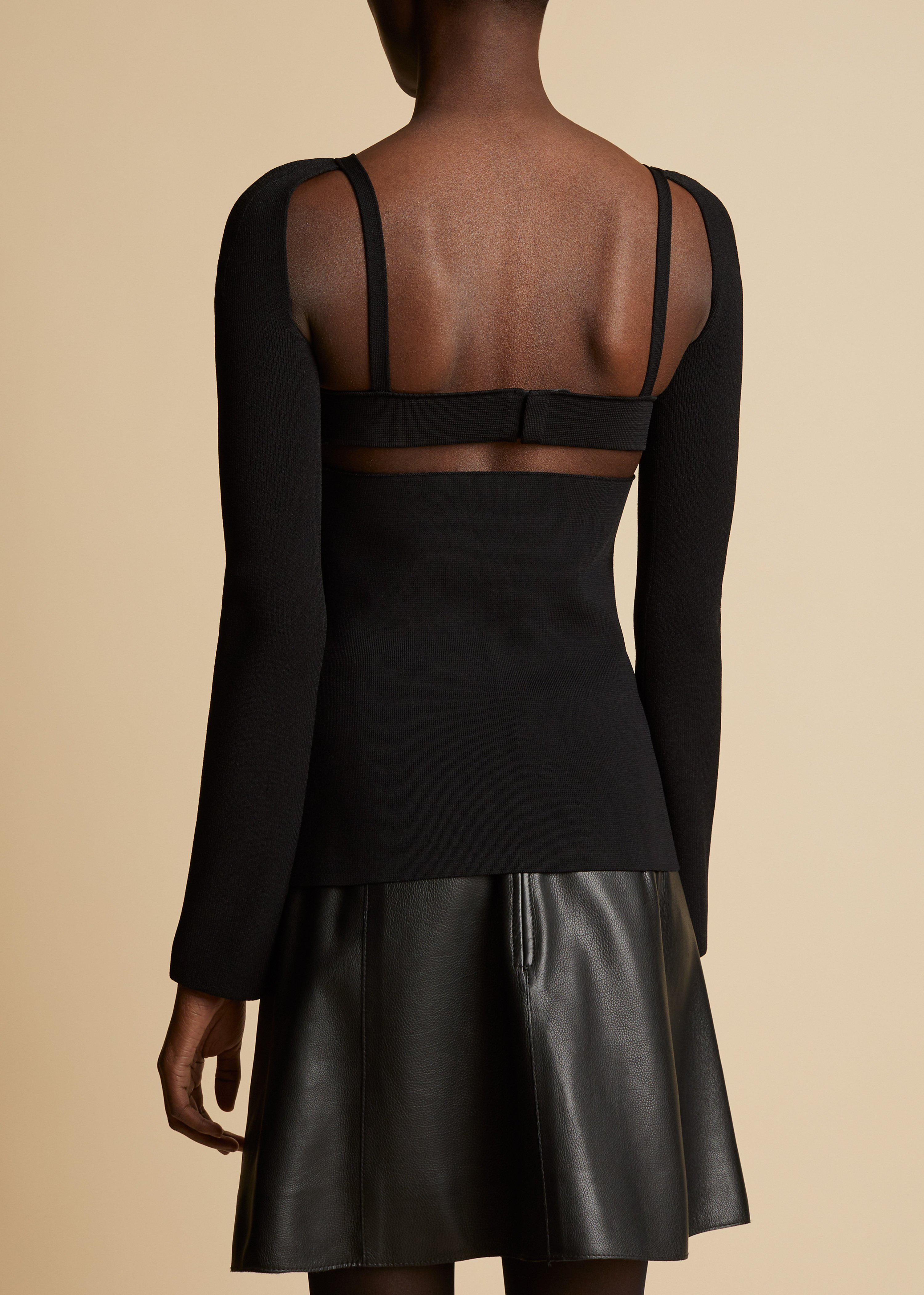 The Roza Top in Black 2