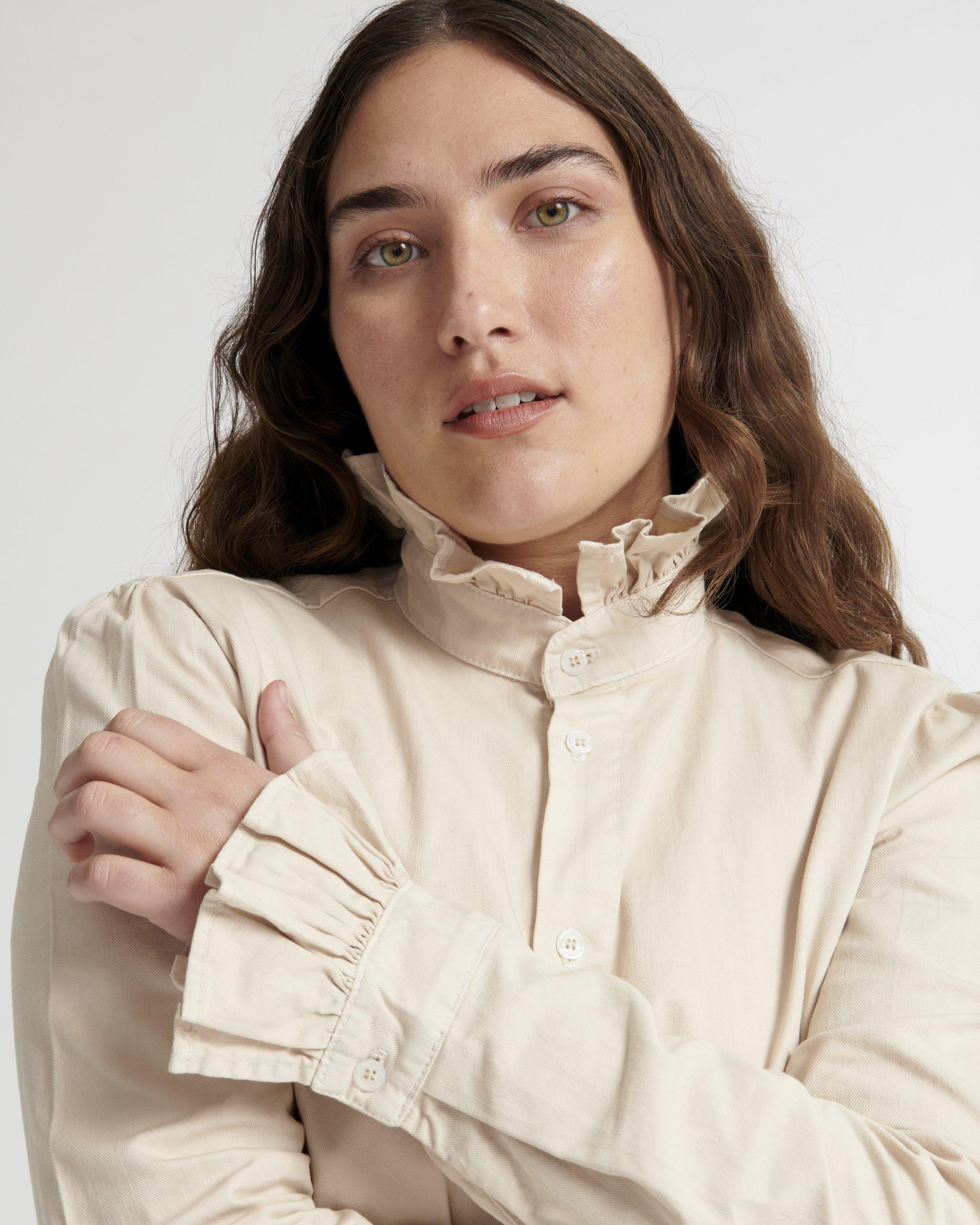 Violet Shirt in Trench