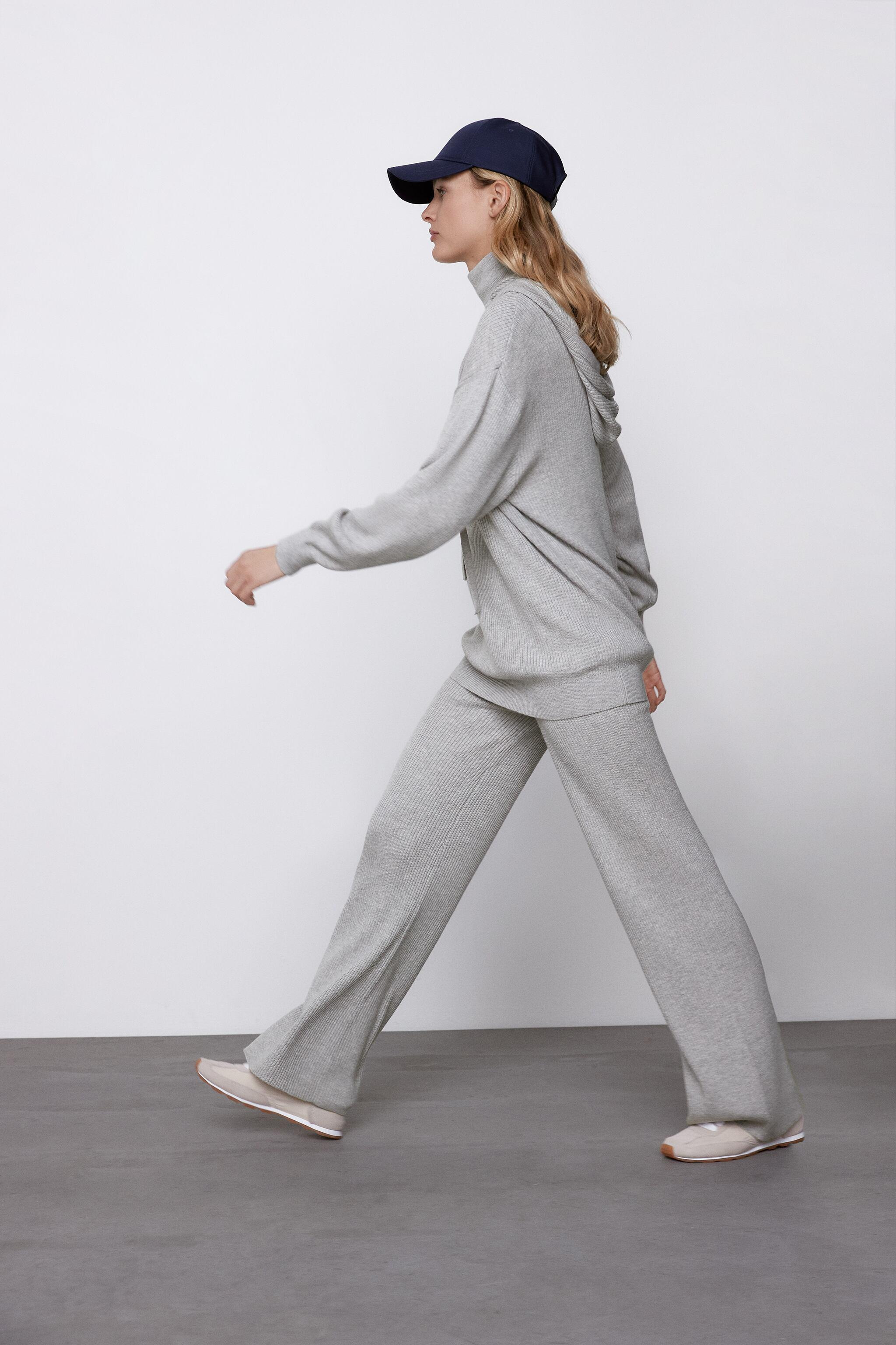 FLARED KNIT PANTS 2