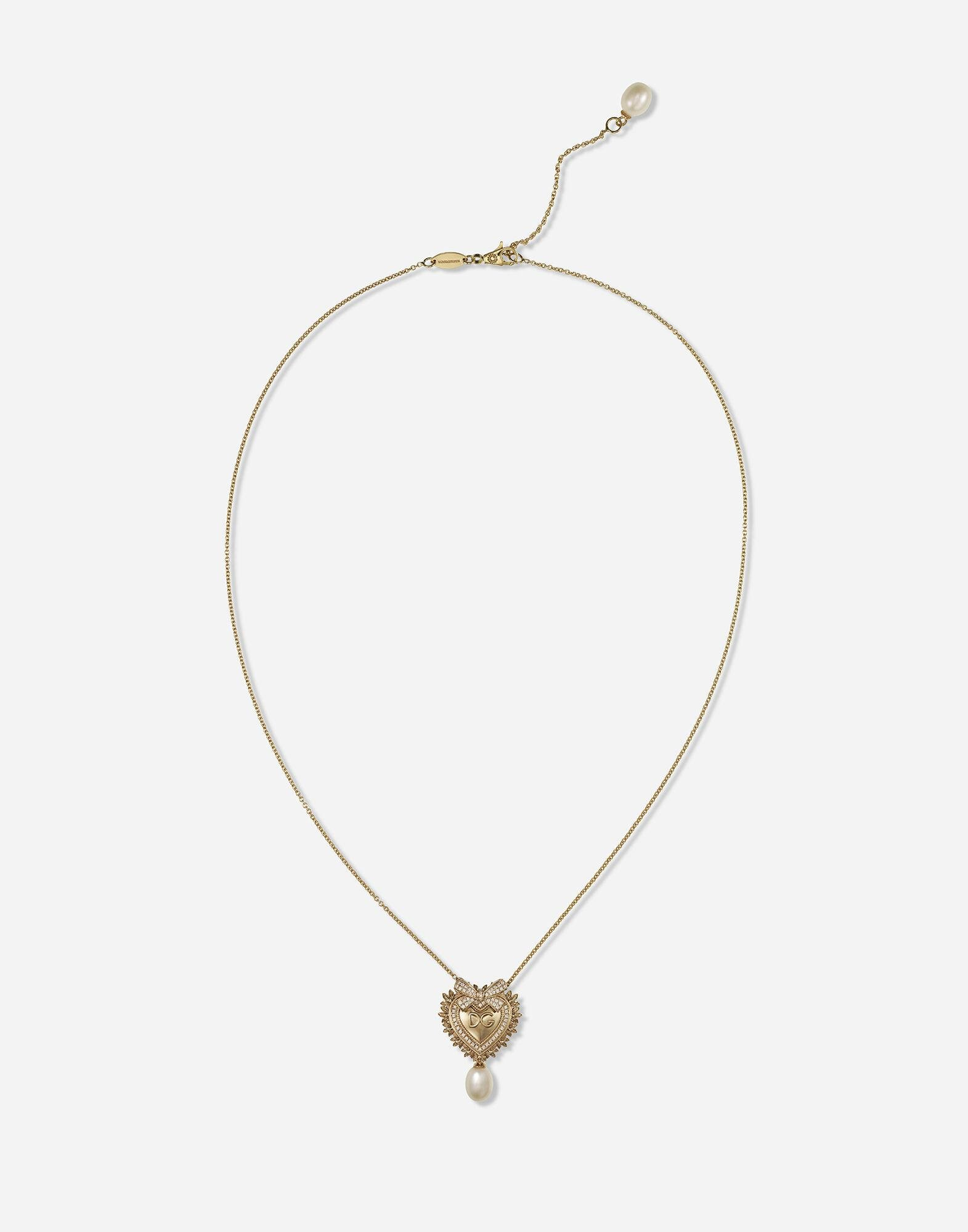 Devotion necklace in yellow gold with diamonds and pearls