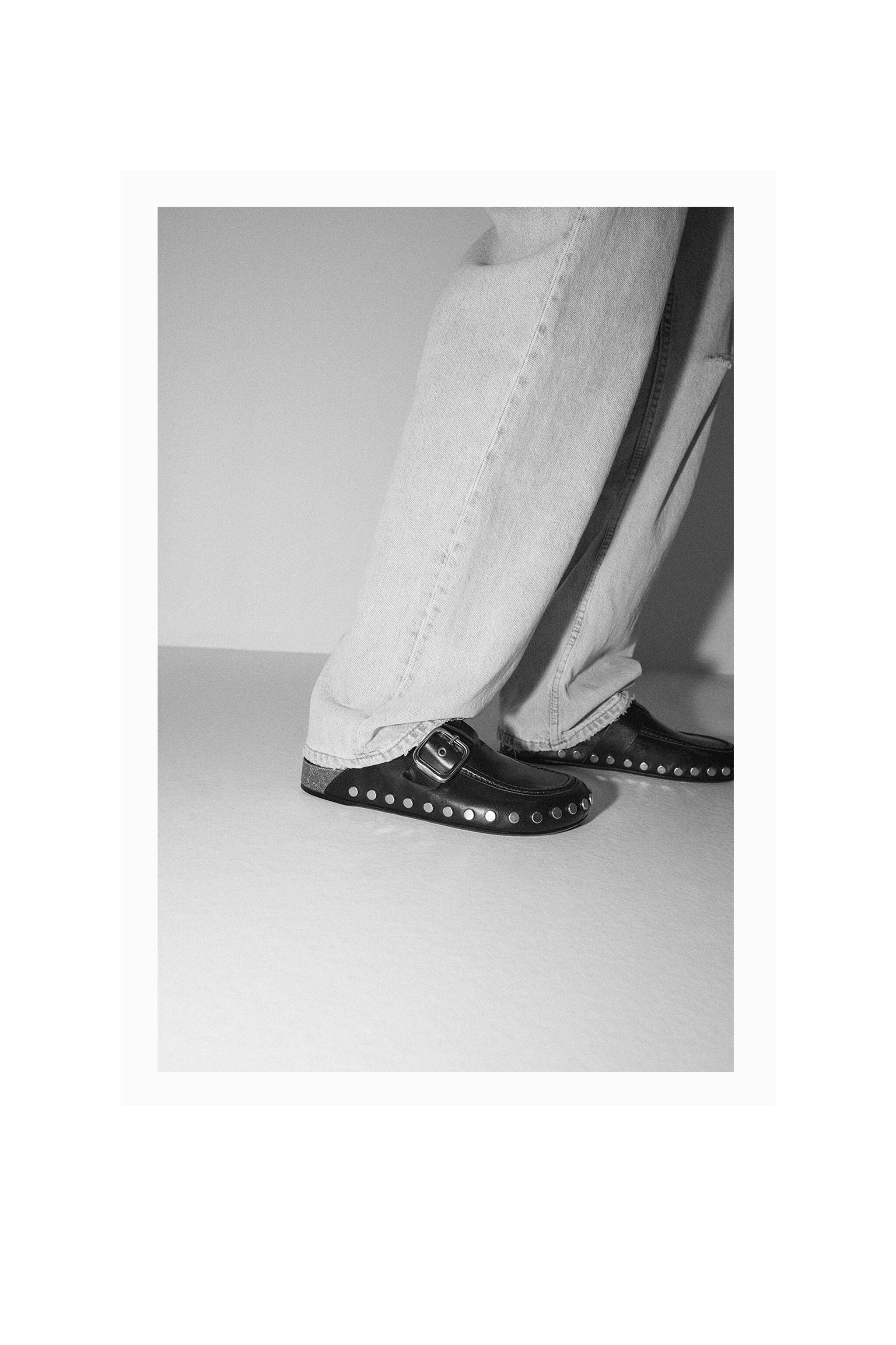LOW HEEL LEATHER CLOGS WITH STUDS 7