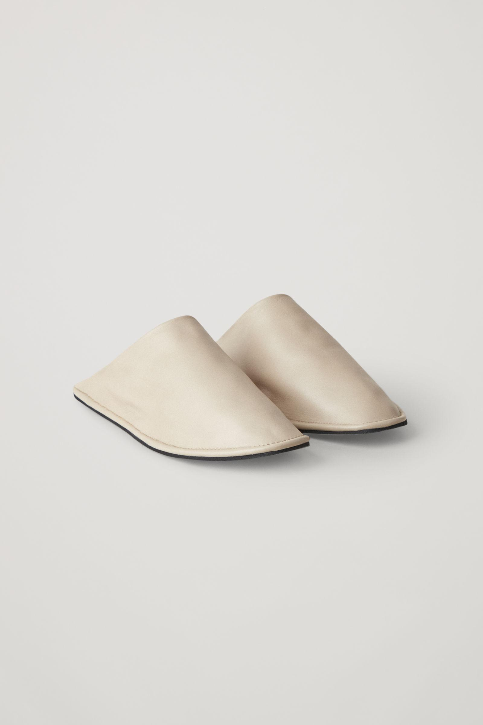 LINED LEATHER SLIPPERS