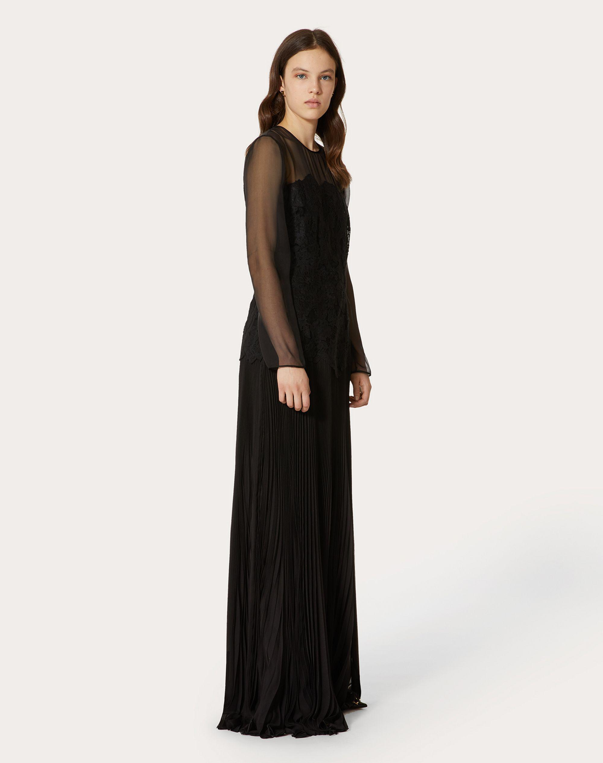 EVENING DRESS IN CHIFFON AND LACE