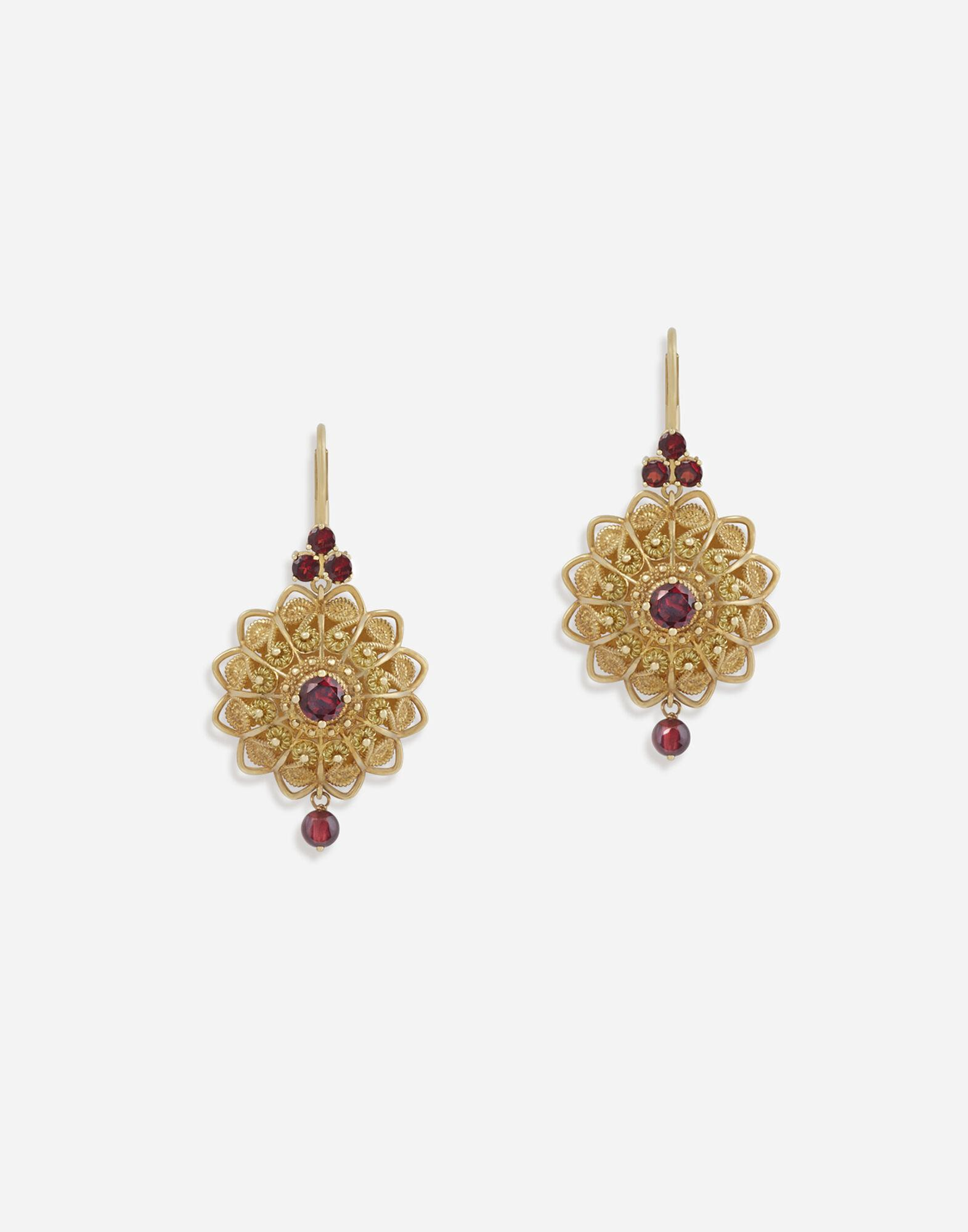 Pizzo earrings in yellow gold and rhodolite garnets
