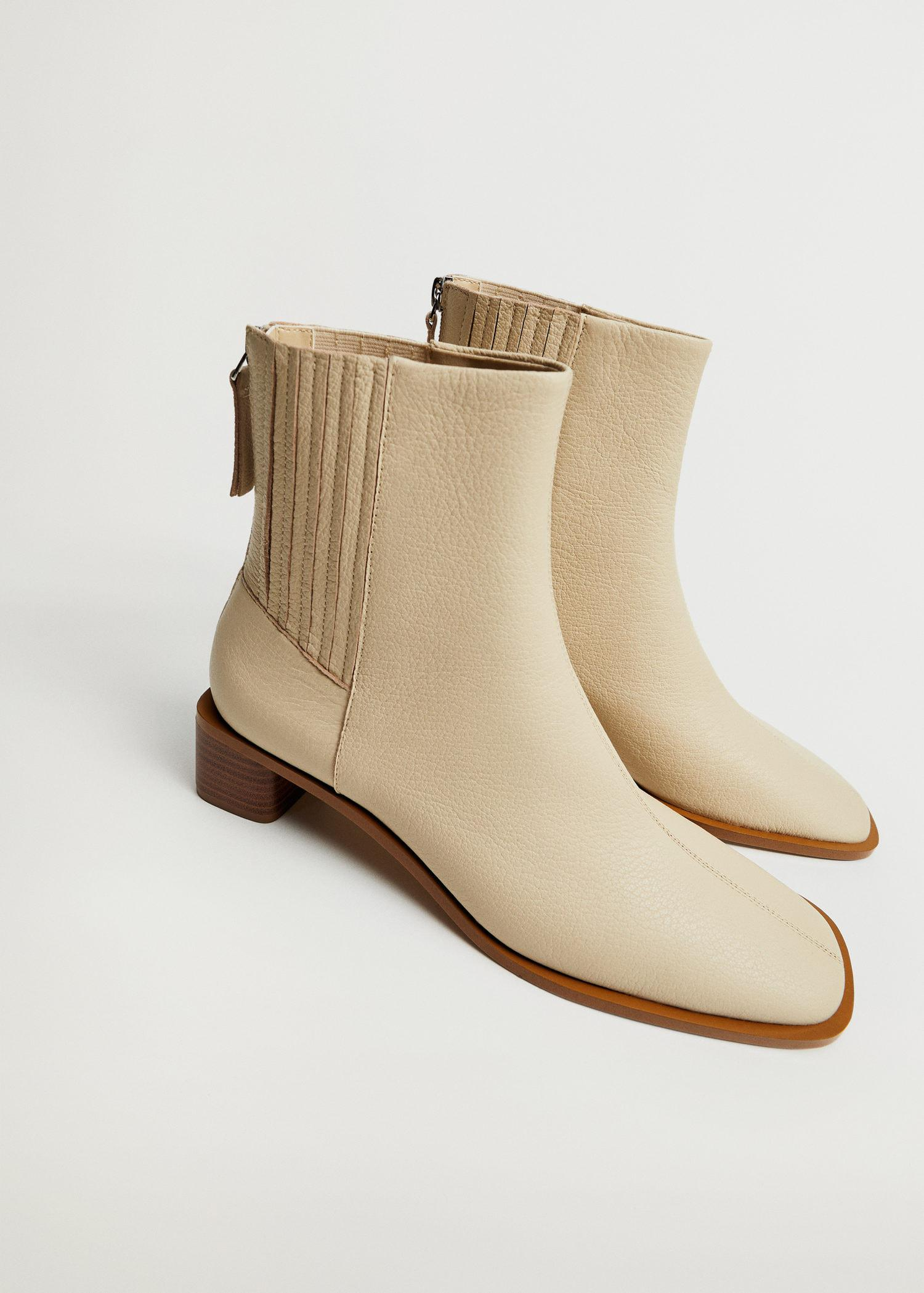 Zipped leather ankle boots 1