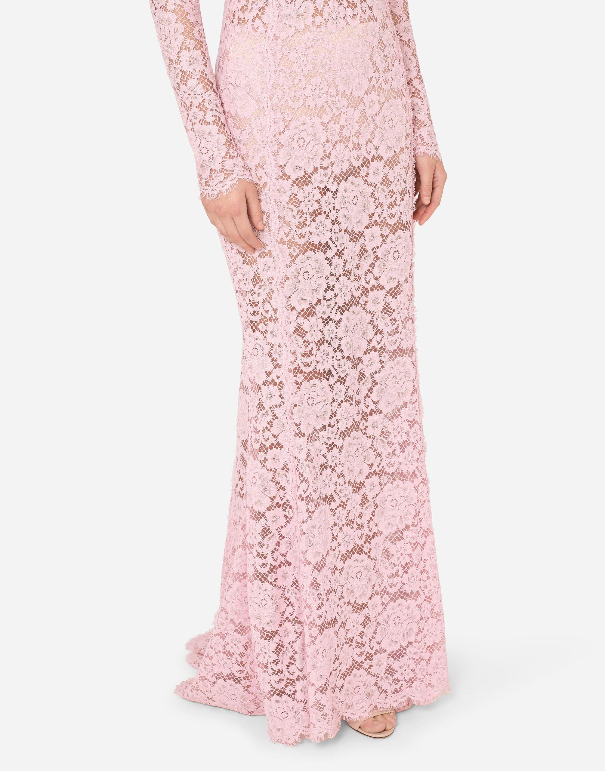 Long lace dress with train 6
