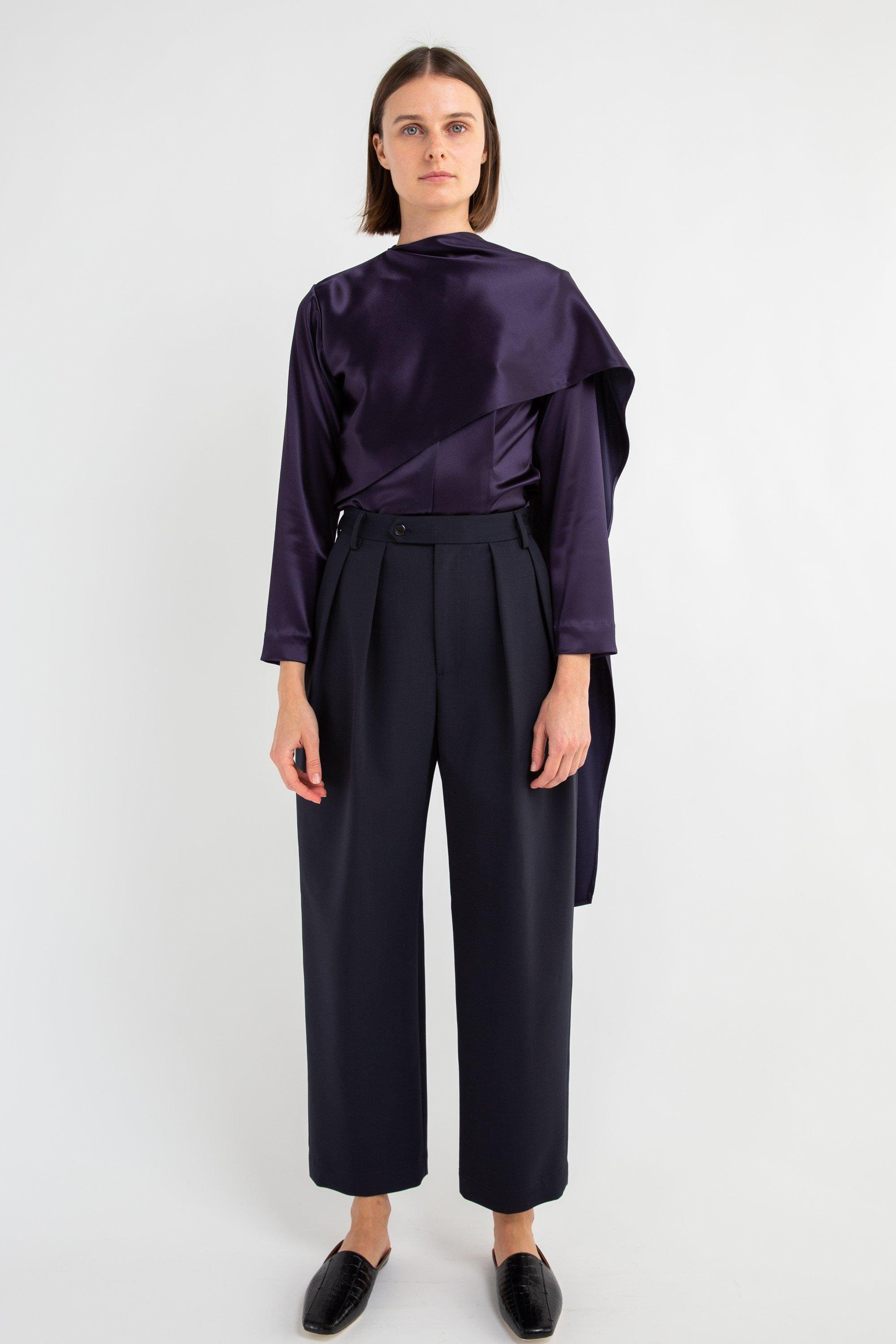 Navy Pleated Wide-Legged Pant