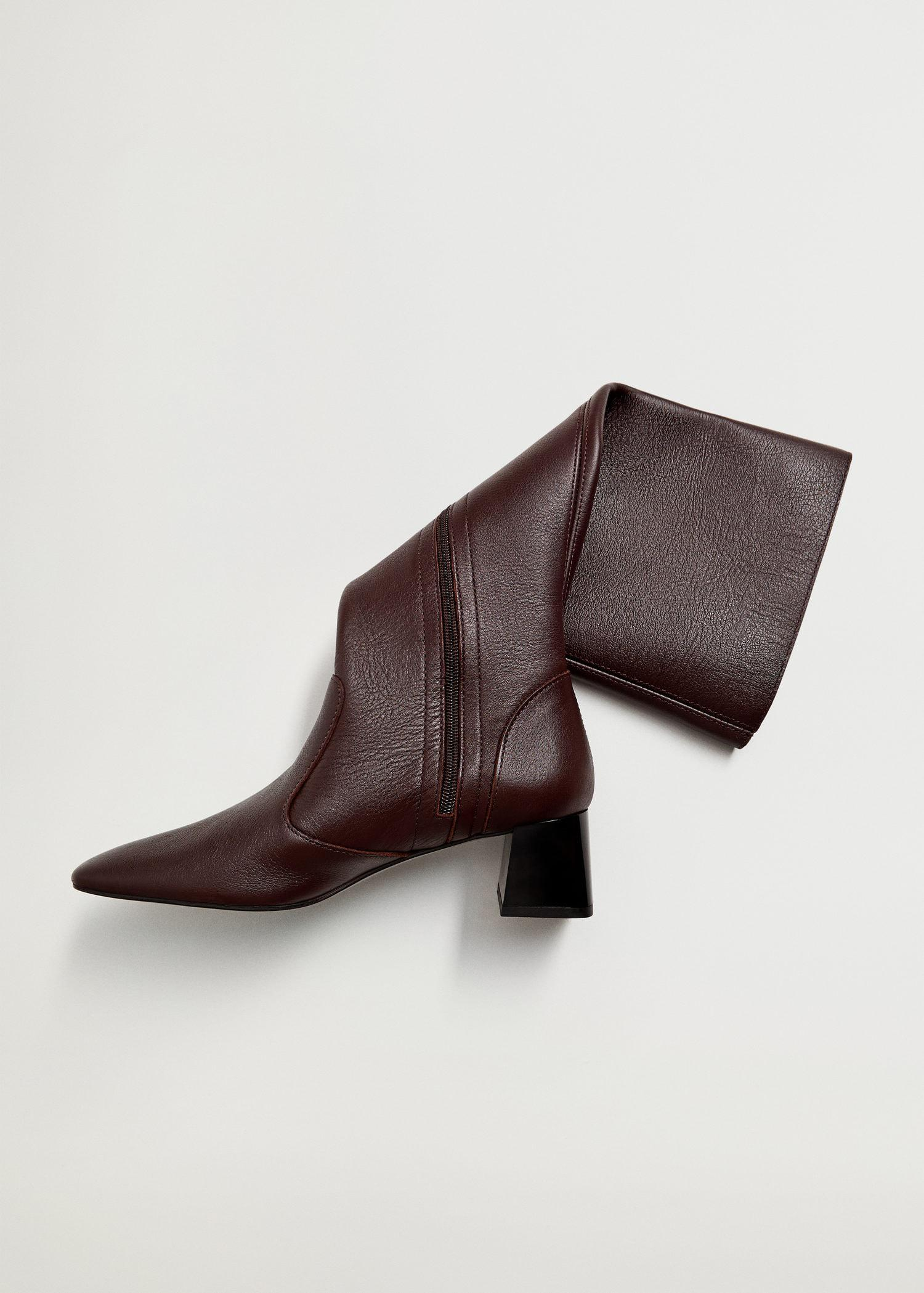 Leather boots with tall leg 2