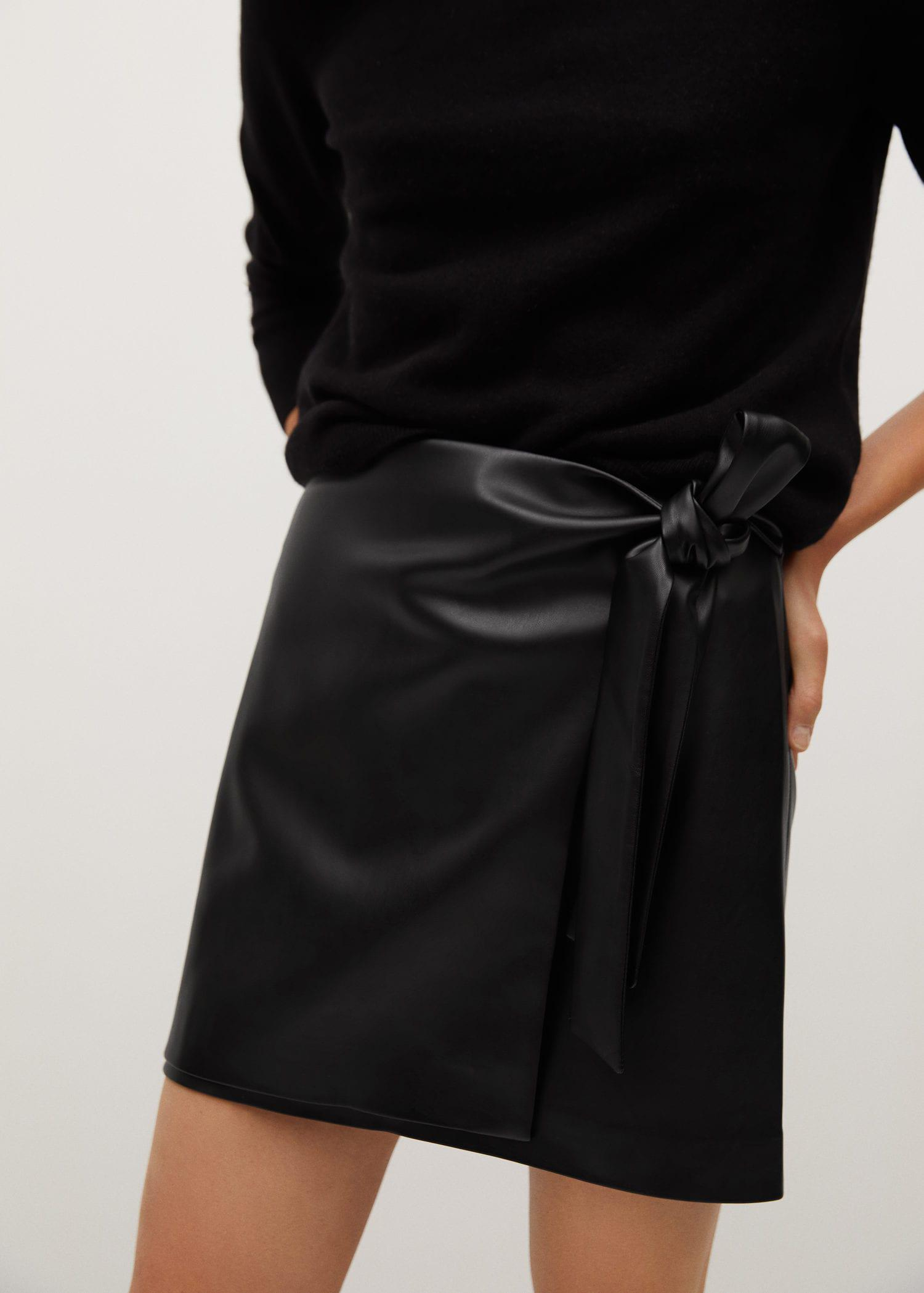 Knot leather-effect mini skirt 4