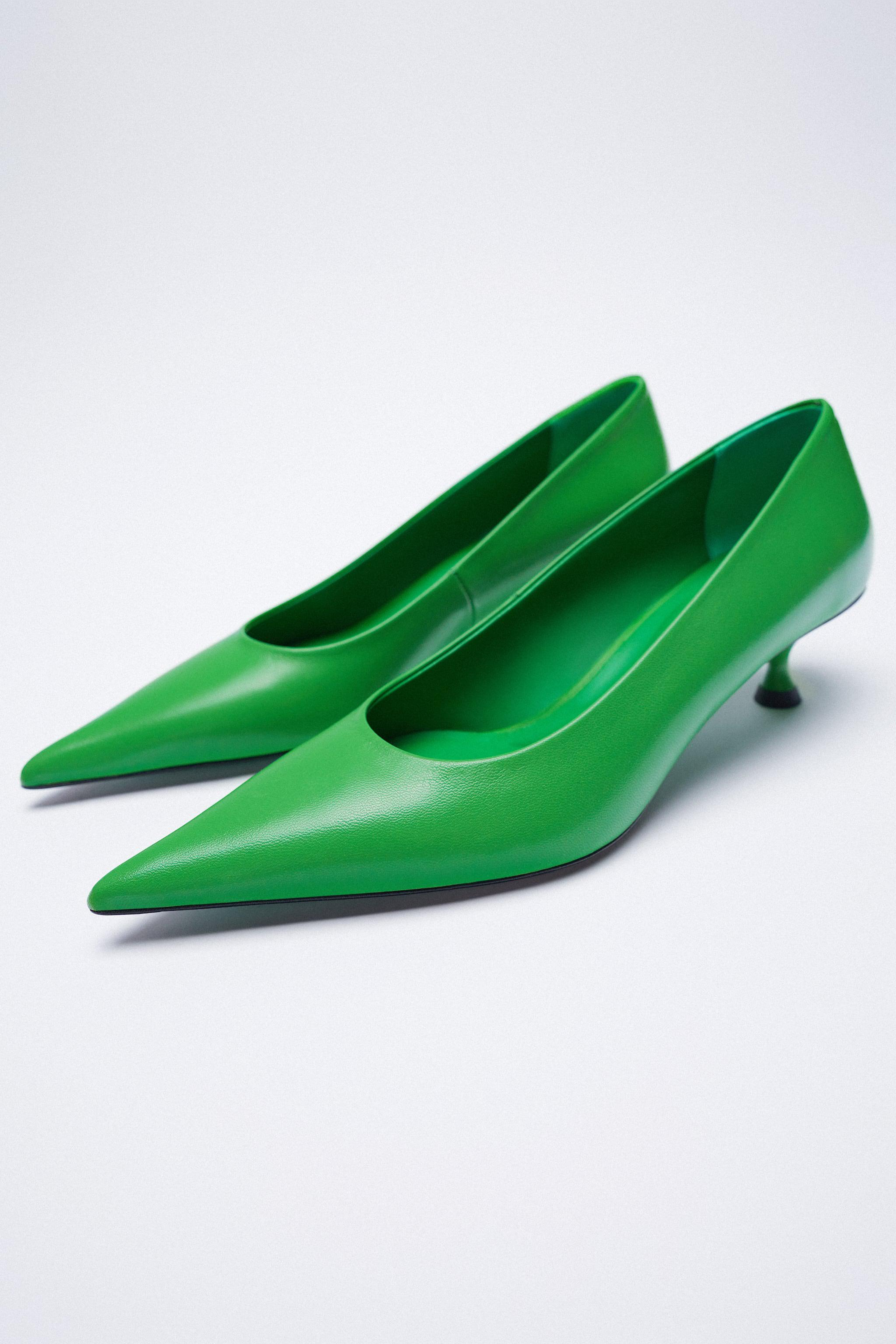 LEATHER HEELS WITH POINTED TOE 10