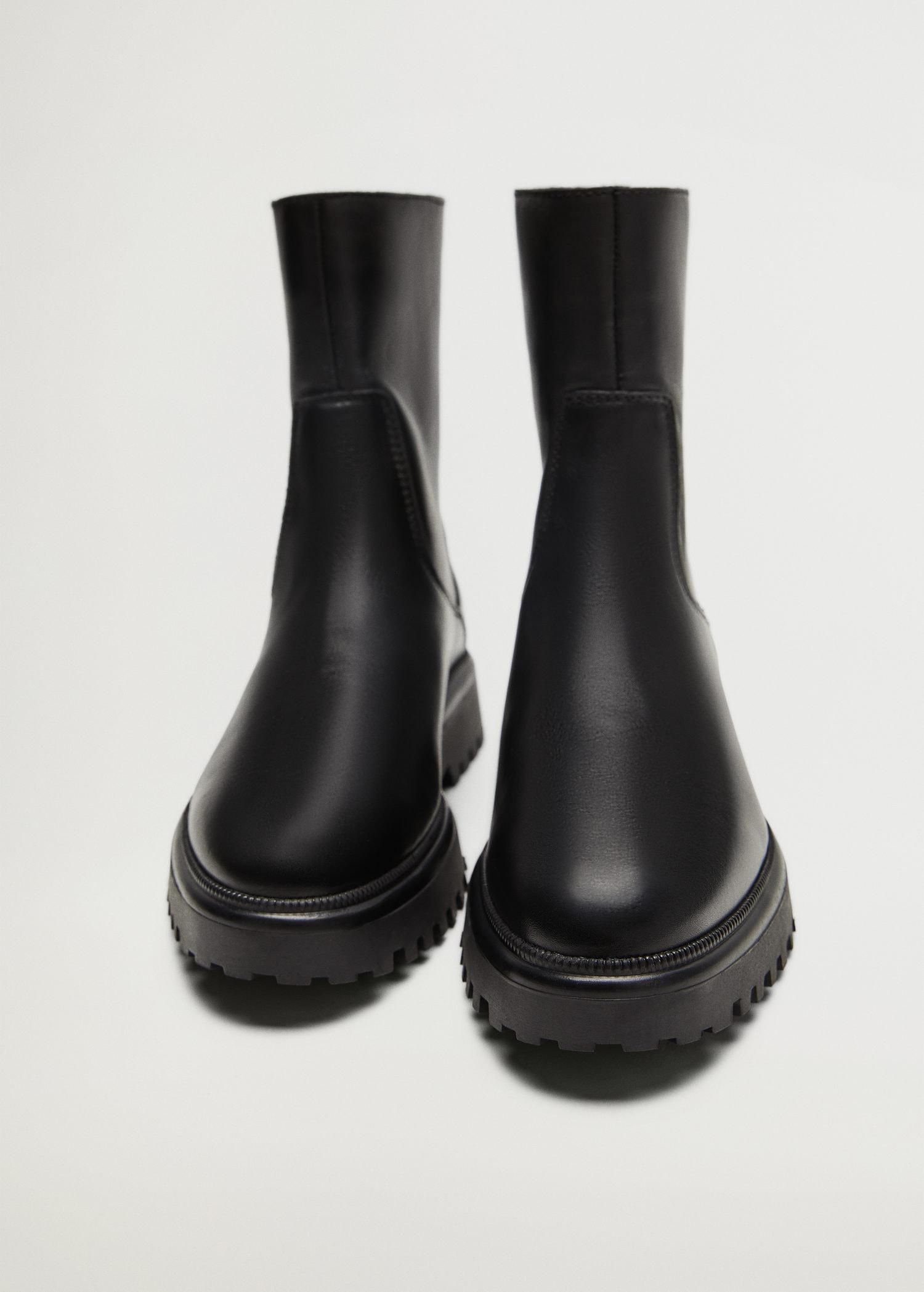 Leather boots with track sole 3