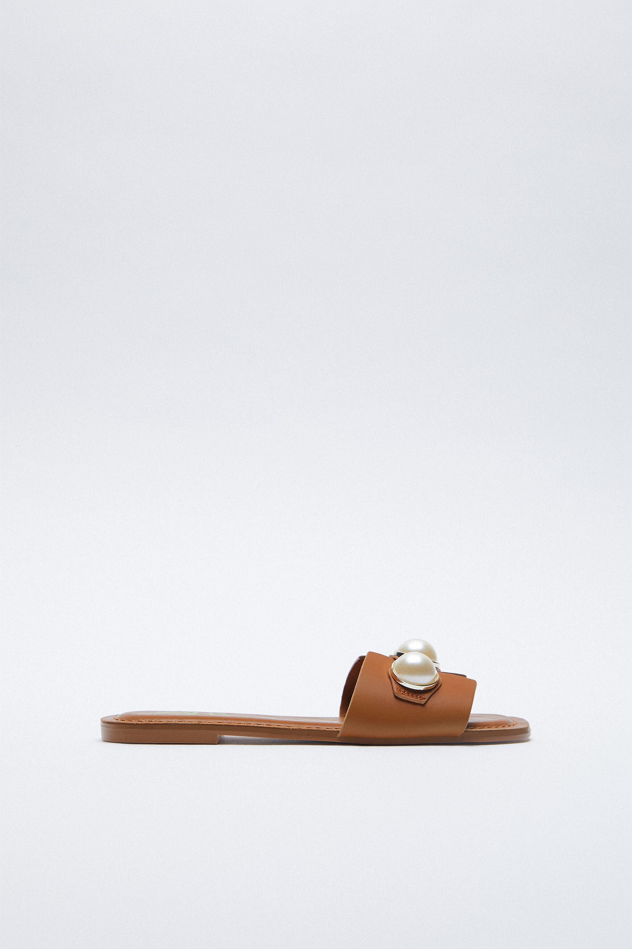 LEATHER SLIDE SANDALS WITH PEARLS