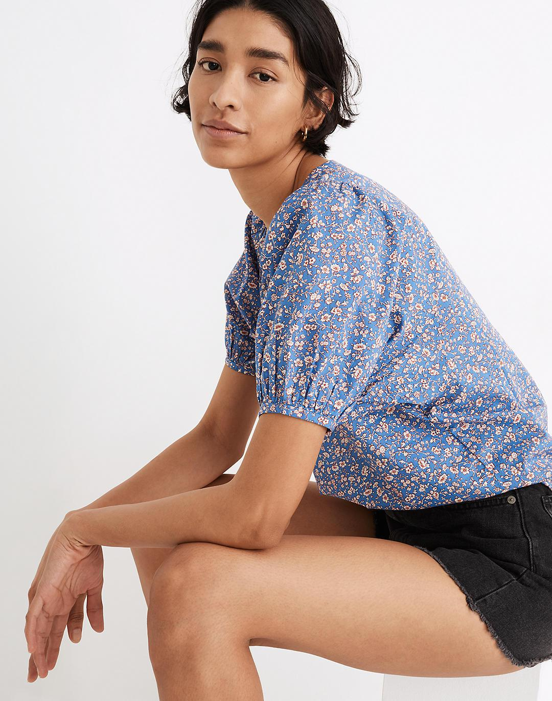 V-Neck Puff-Sleeve Top in Summer Vines 1