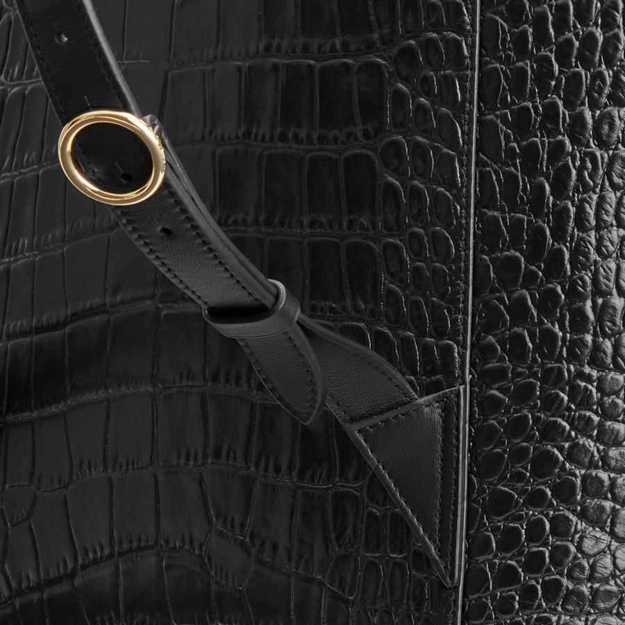 Women's Large Leather Backpack in Textured Black | Croc-Embossed by Cuyana 3