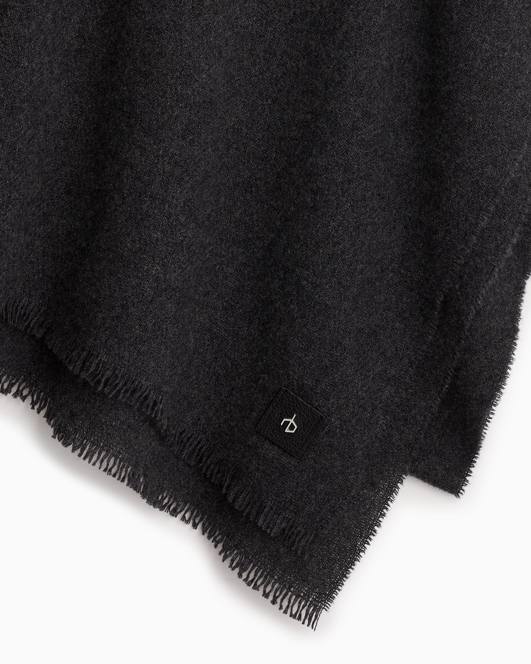 Riley cashmere solid scarf 1