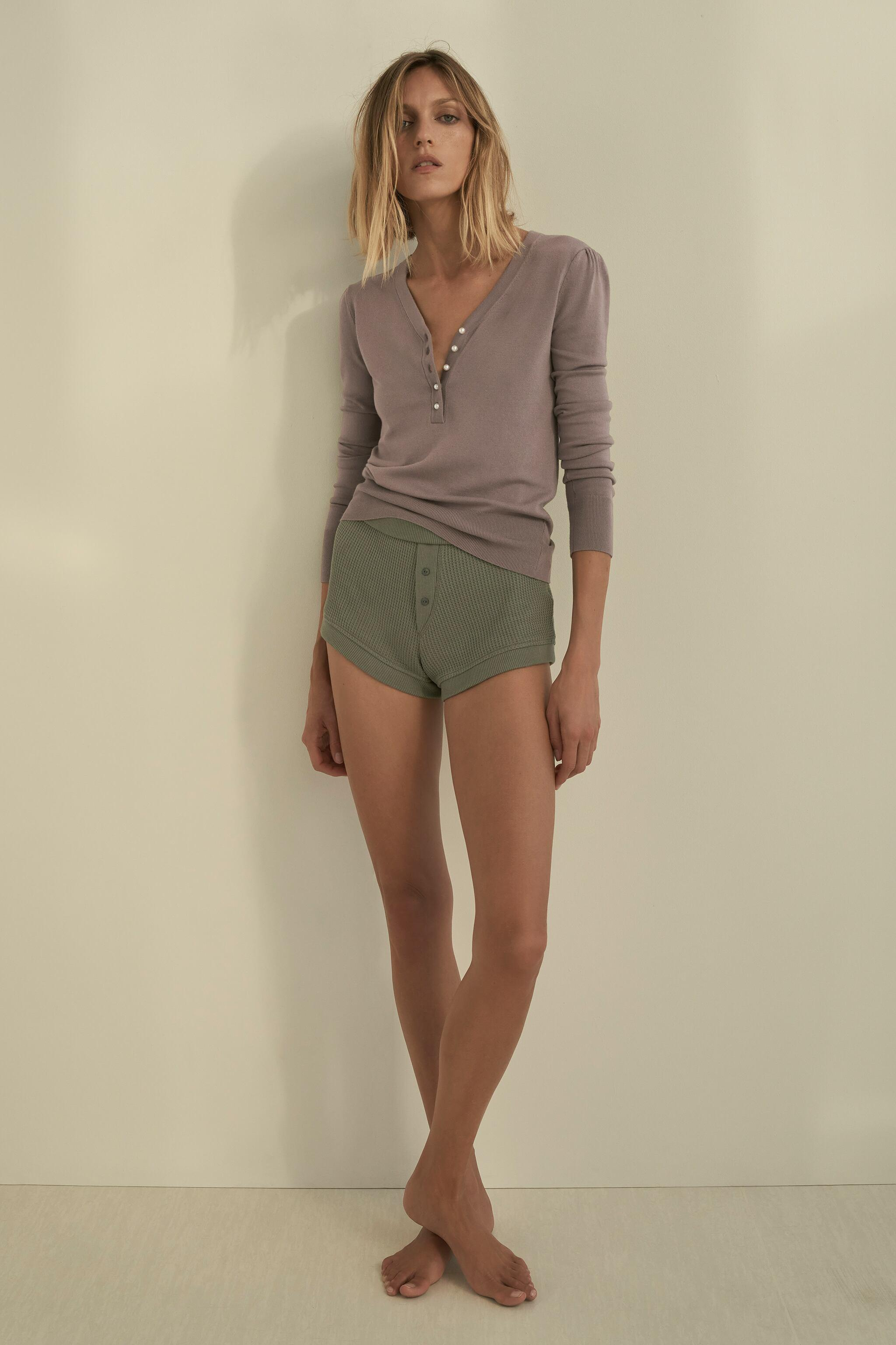 PEARL V-NECK SWEATER