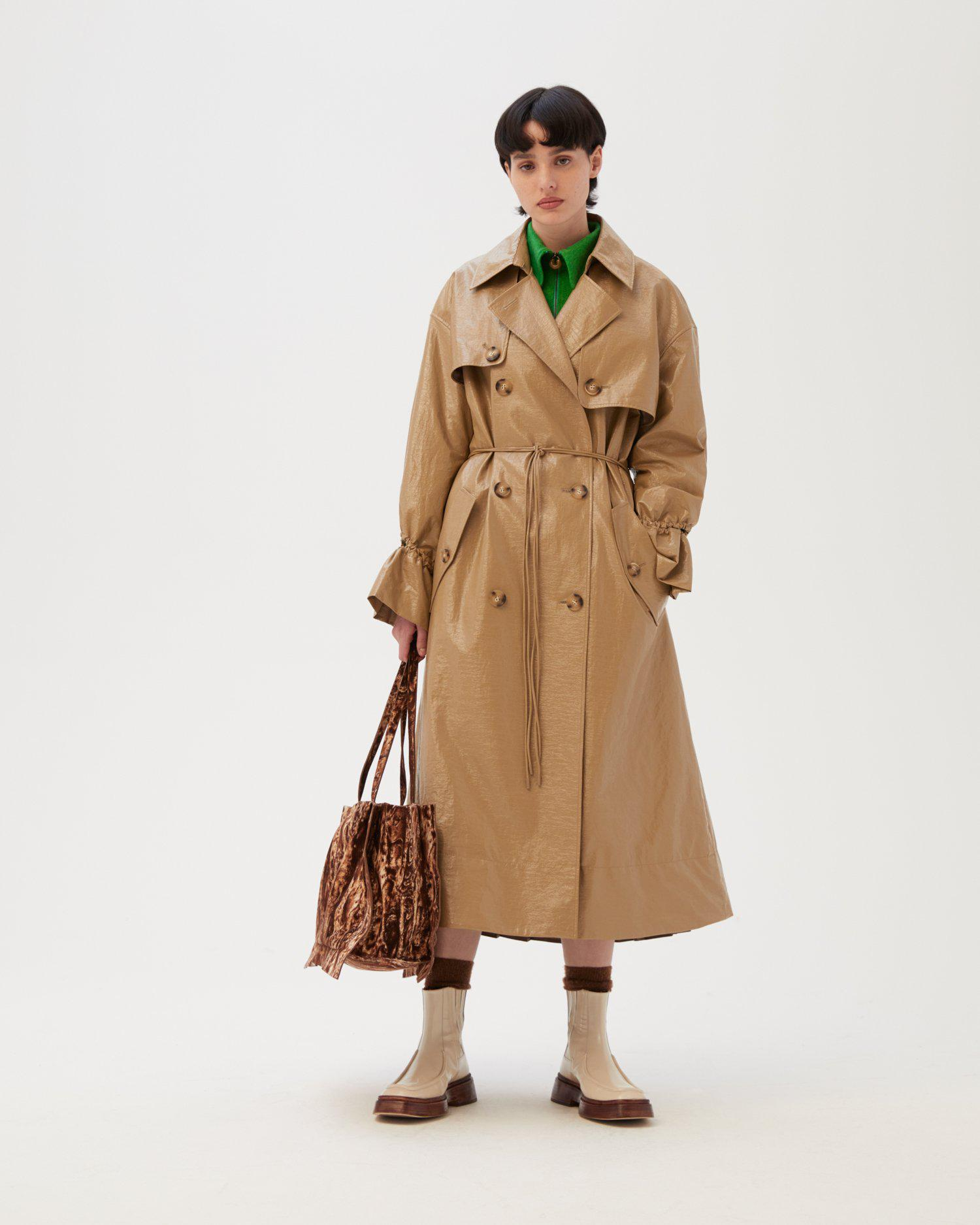 Naoko Trenchcoat Patent Faux Leather Sand