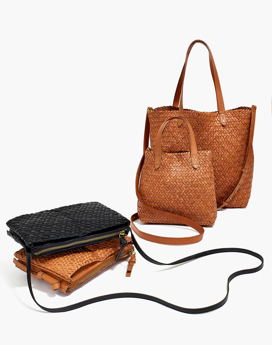 The Knotted Crossbody Bag in Woven Leather 2