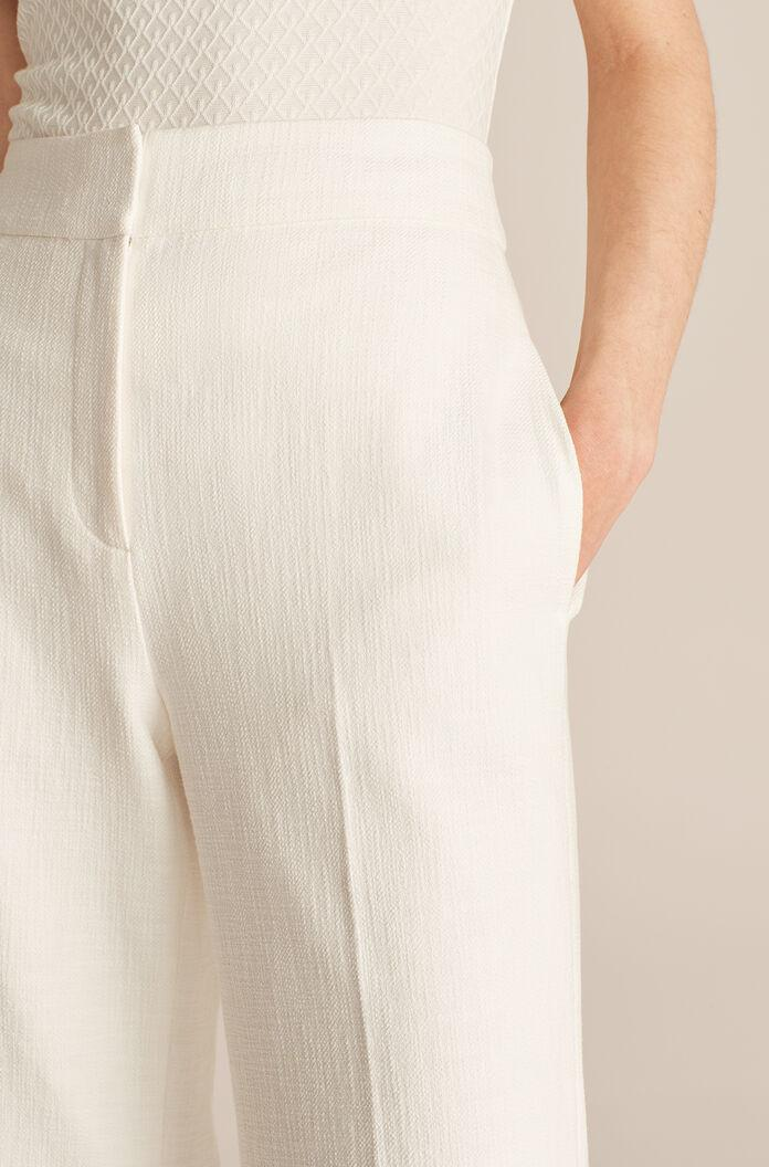 CROPPED FIT AND FLARE PANT 3
