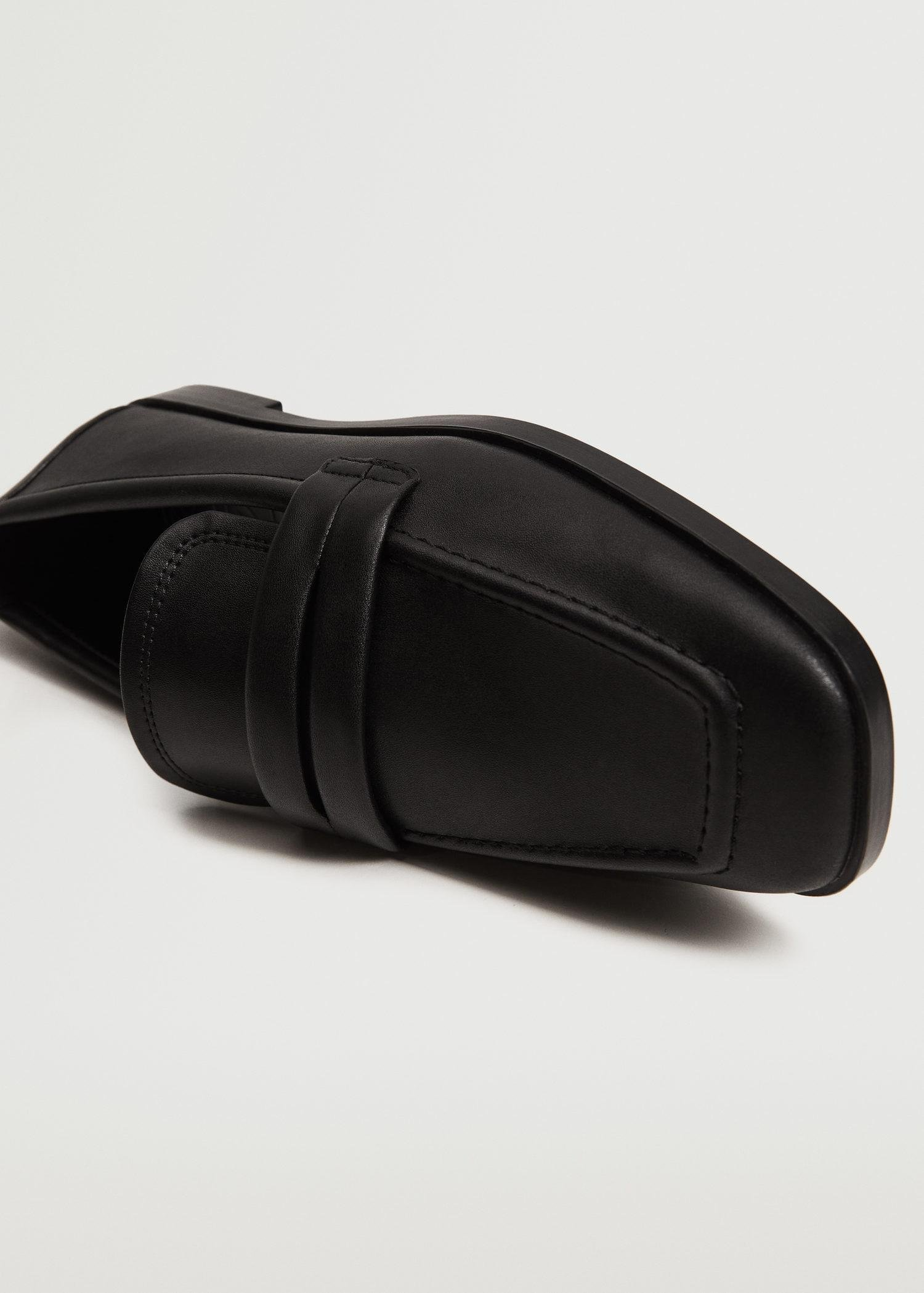 Pointed loafers 1