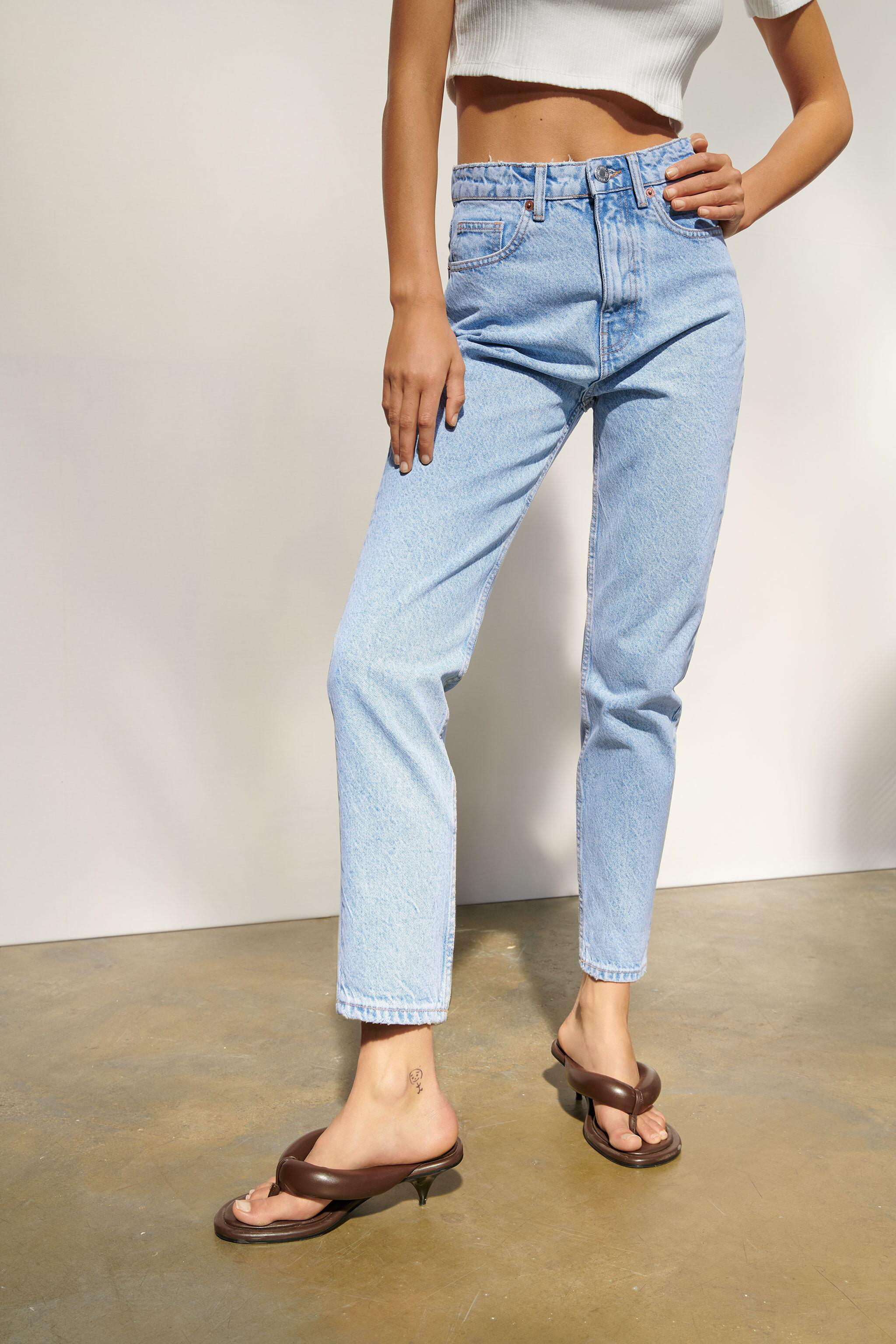 MOM FIT JEANS 4