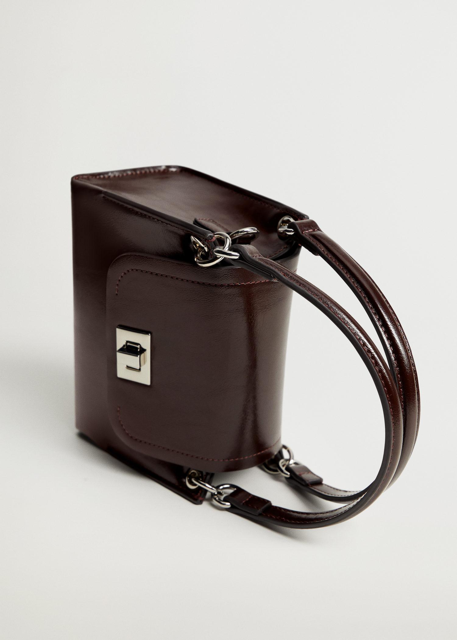 Double strap bag with flap 1