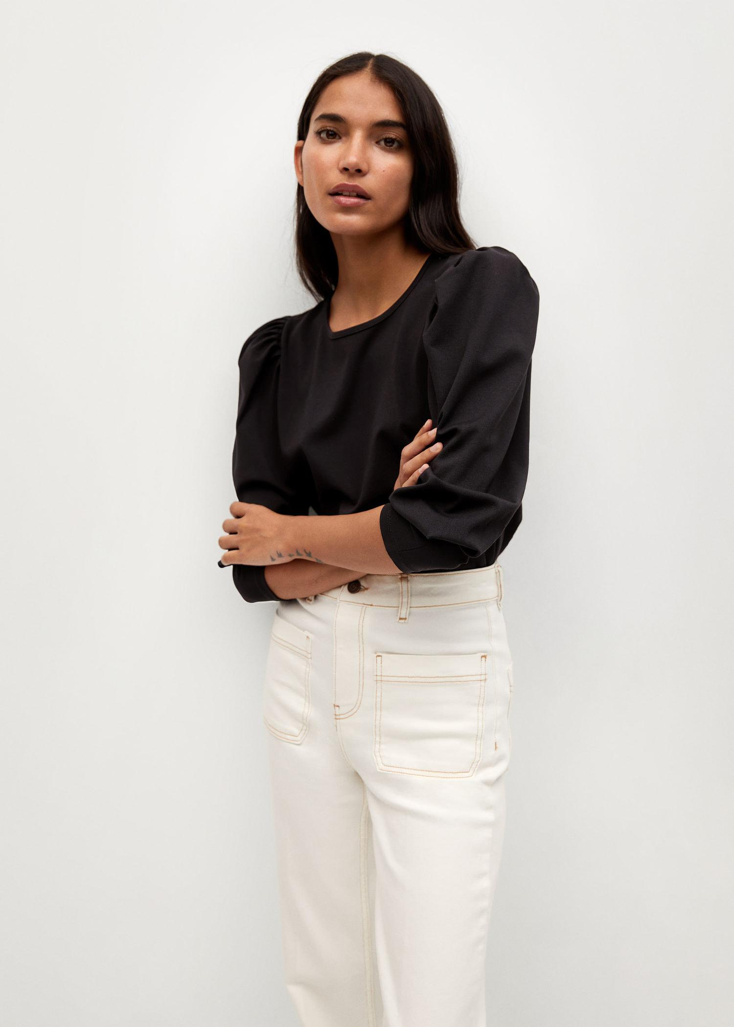 T-shirt with puffed sleeves