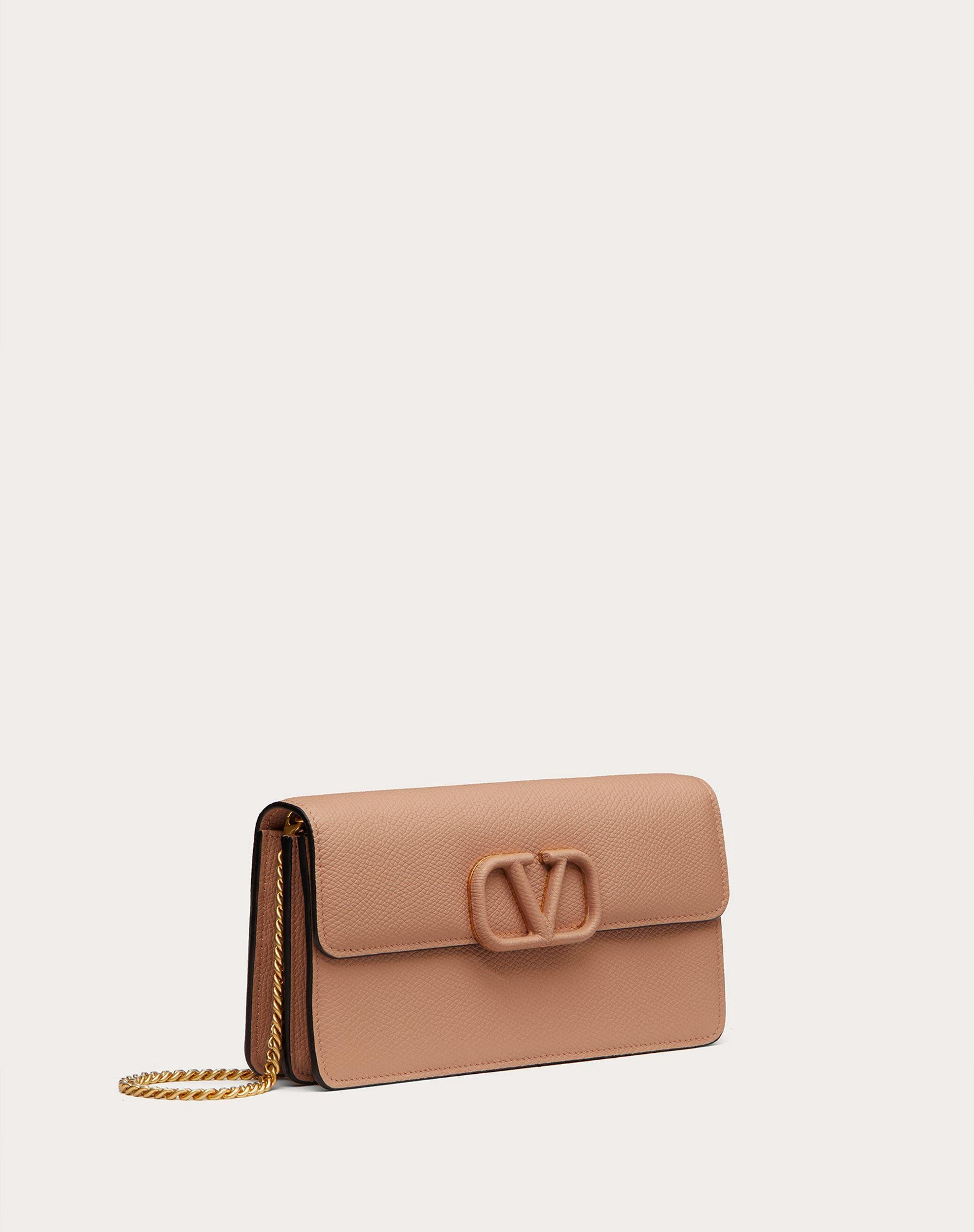 VLOGO SIGNATURE GRAINY CALFSKIN WALLET WITH CHAIN 3