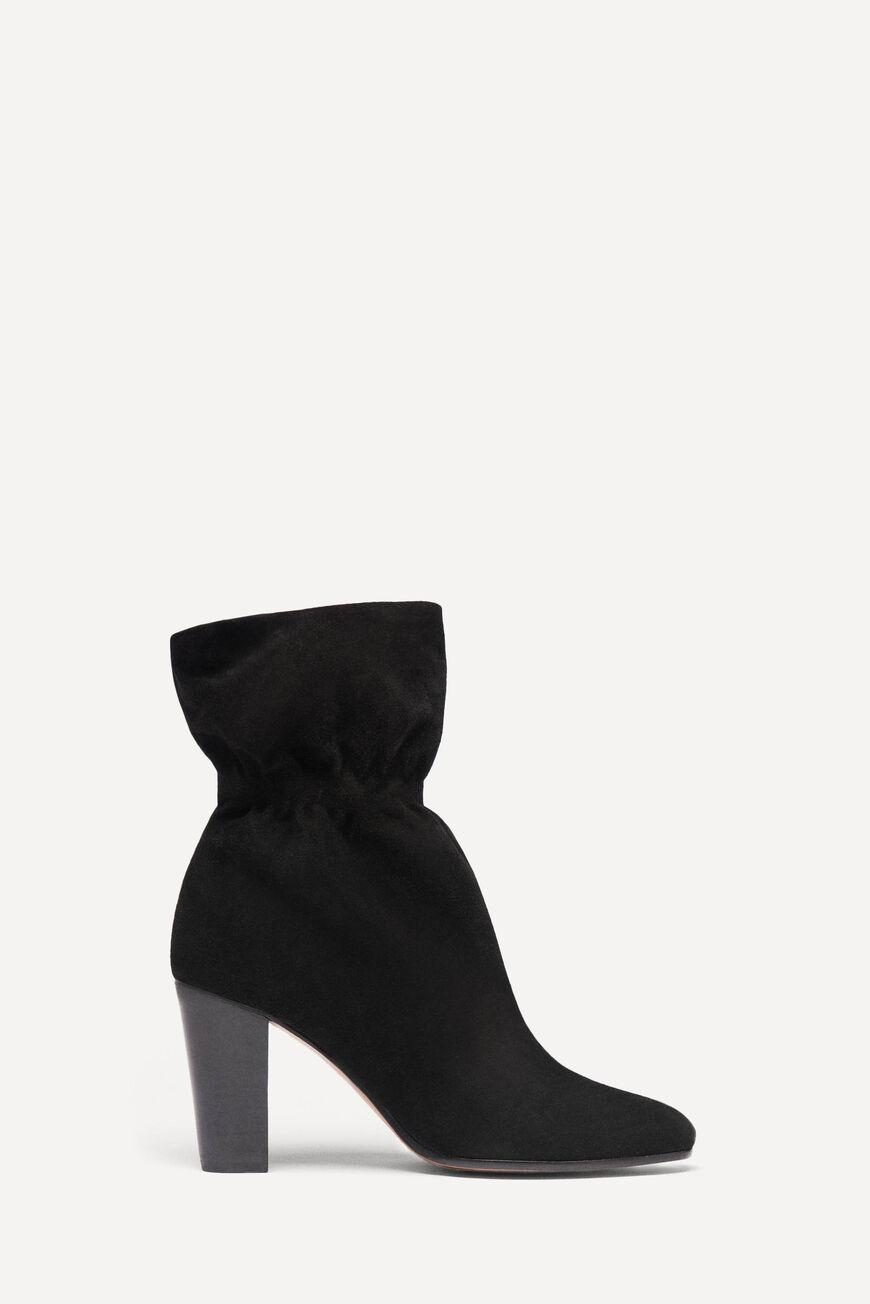 chica.LOW BOOTS WITH HEEL 0