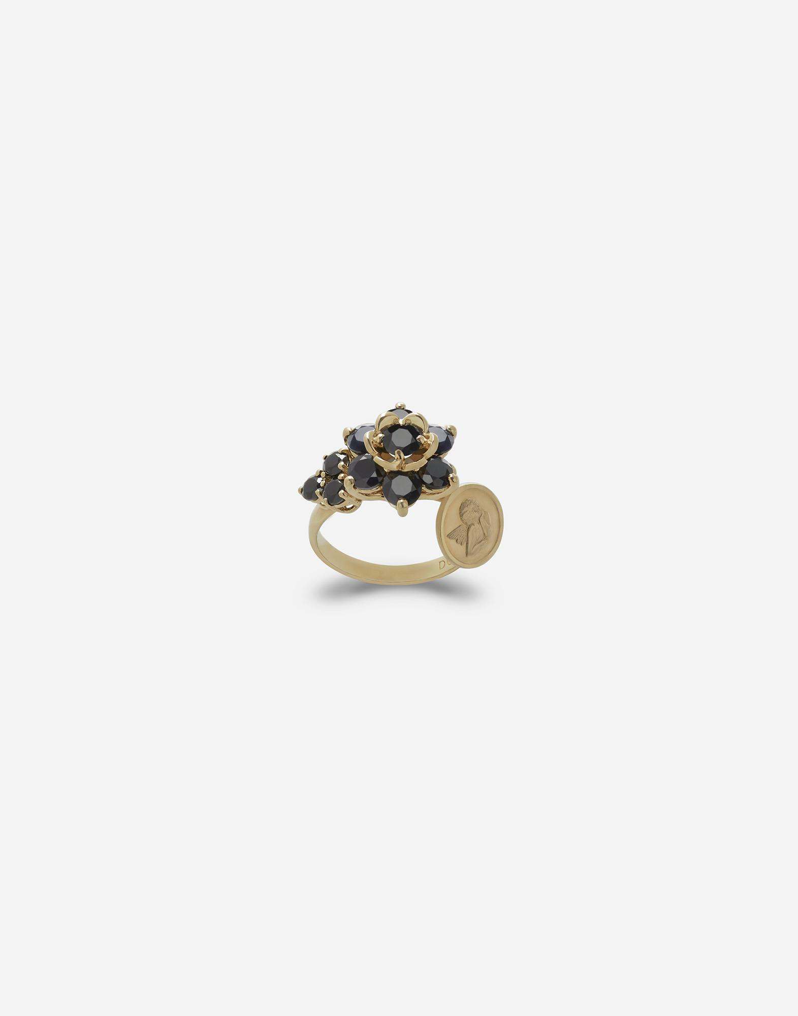 Ring with black sapphires