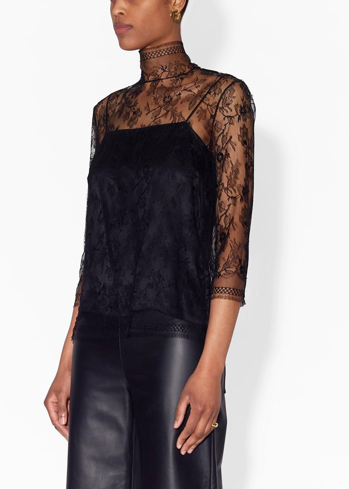 TURTLENECK IN CHANTILLY LACE