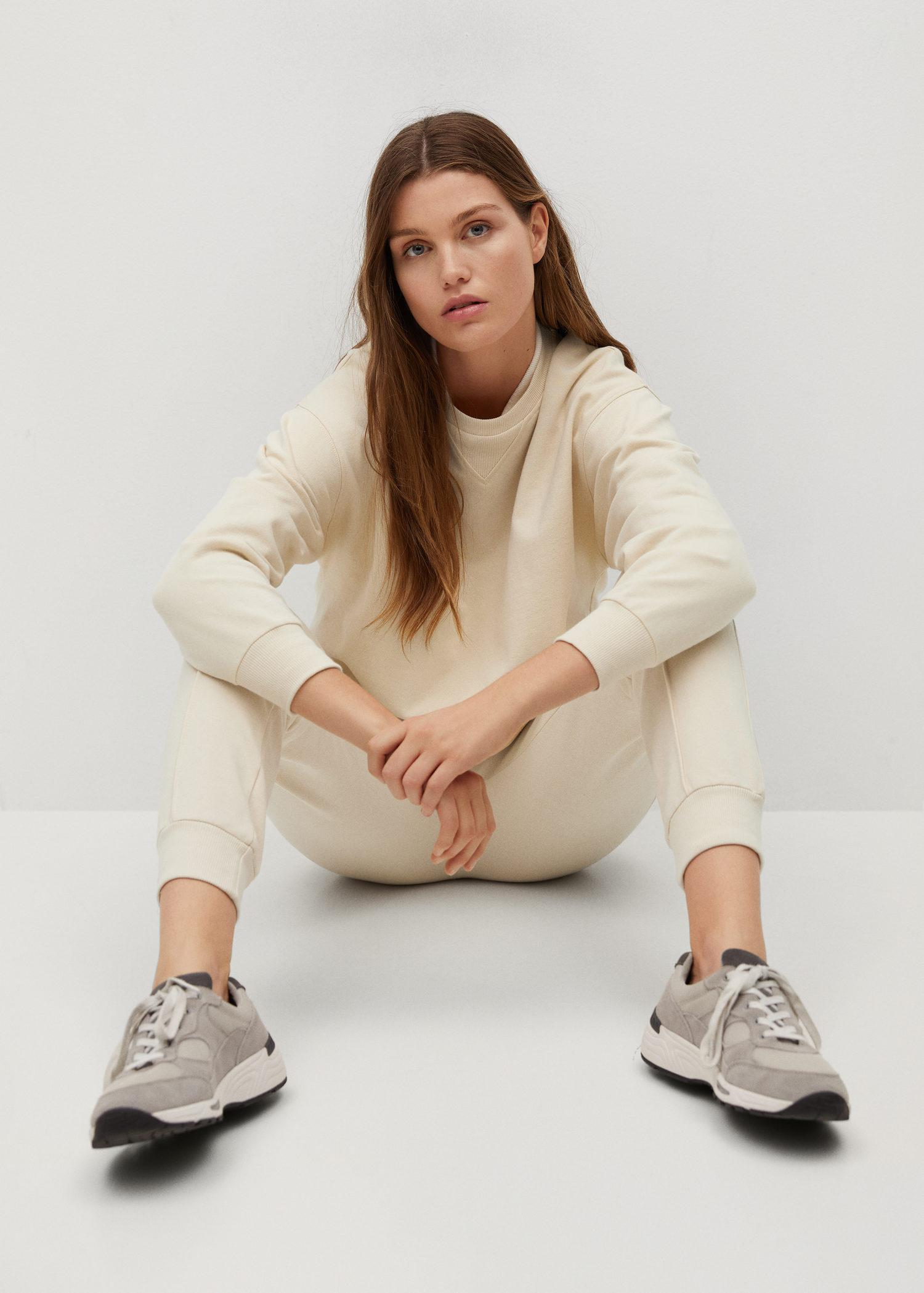 Sustainable cotton jogger pants 3