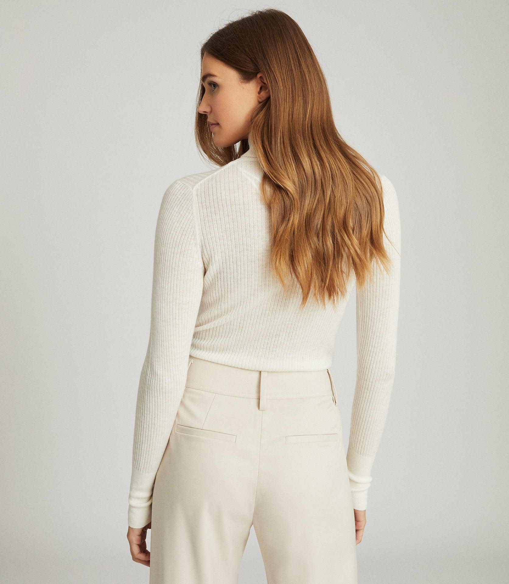 SOPHIE - KNITTED ROLL NECK 2