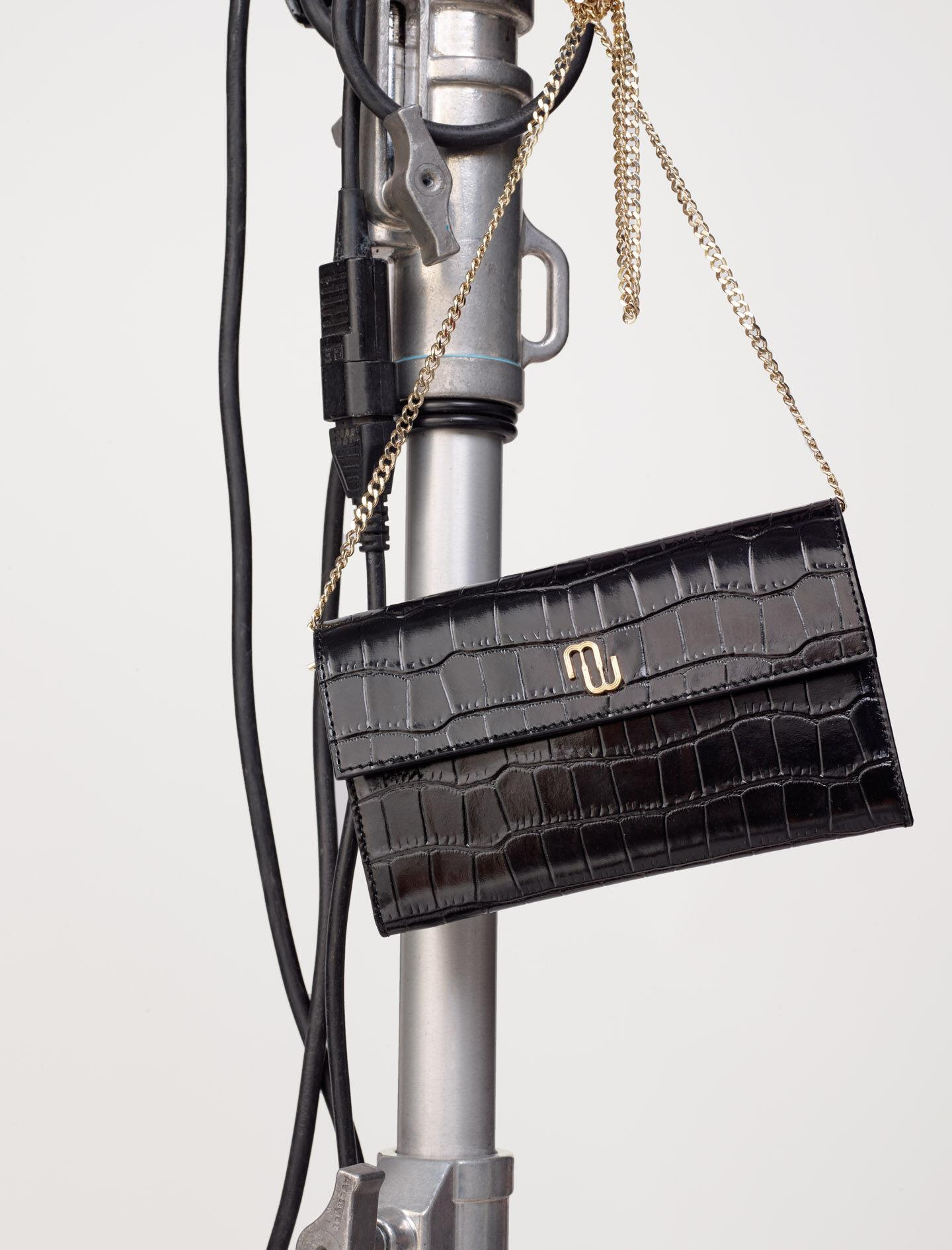 CROCODILE WALLET WITH CHAIN 4